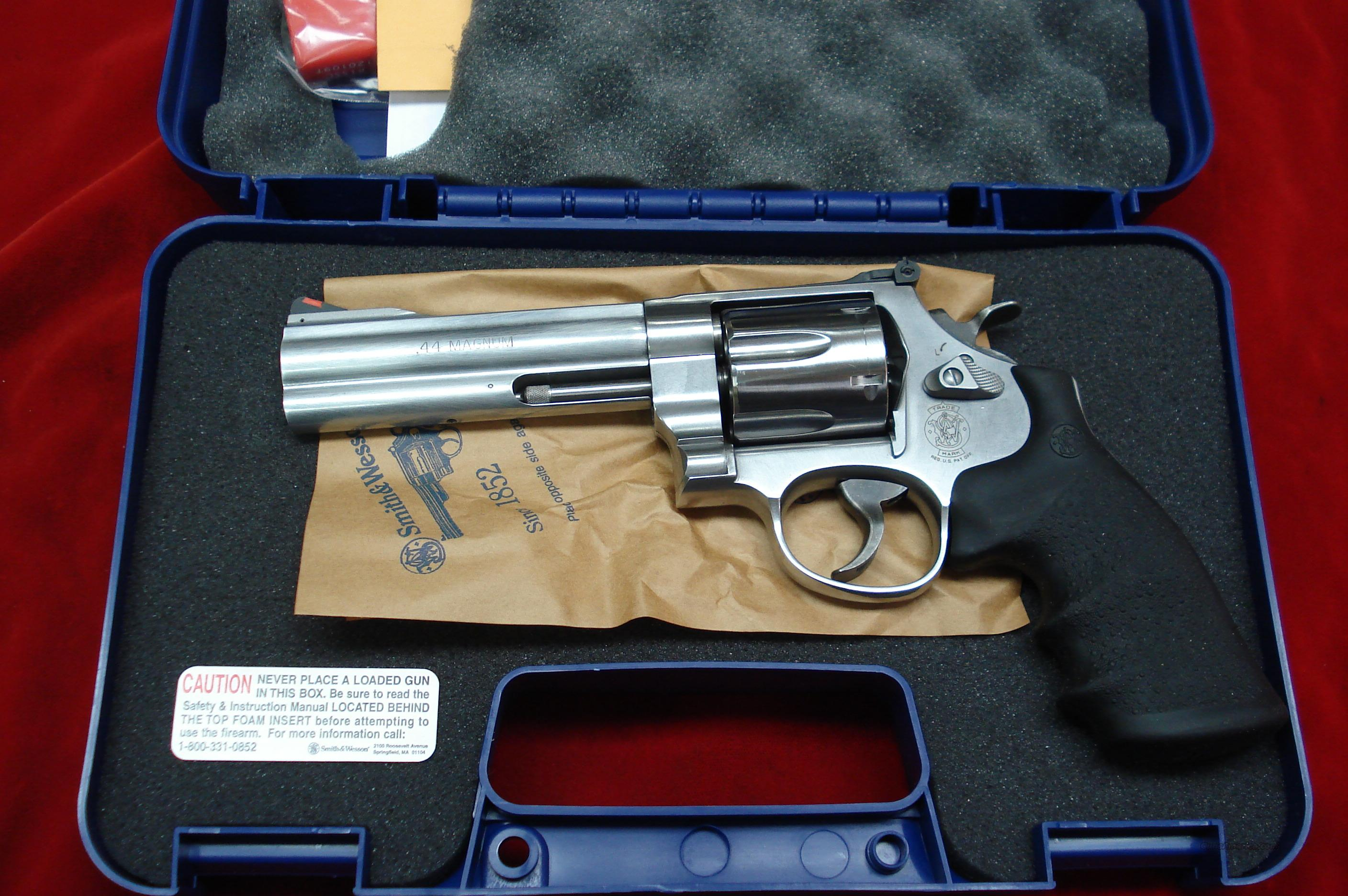 "SMITH AND WESSON MODEL 629 CLASSIC 44MAG. 5"" STAINLESS NEW   Guns > Pistols > Smith & Wesson Revolvers > Model 629"