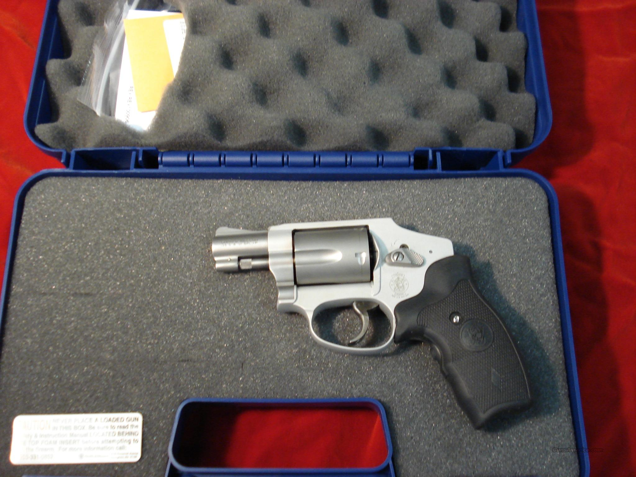 SMITH AND WESSON 642 AIRWEIGHT CRIMSON TRACE NEW    Guns > Pistols > Smith & Wesson Revolvers > Pocket Pistols