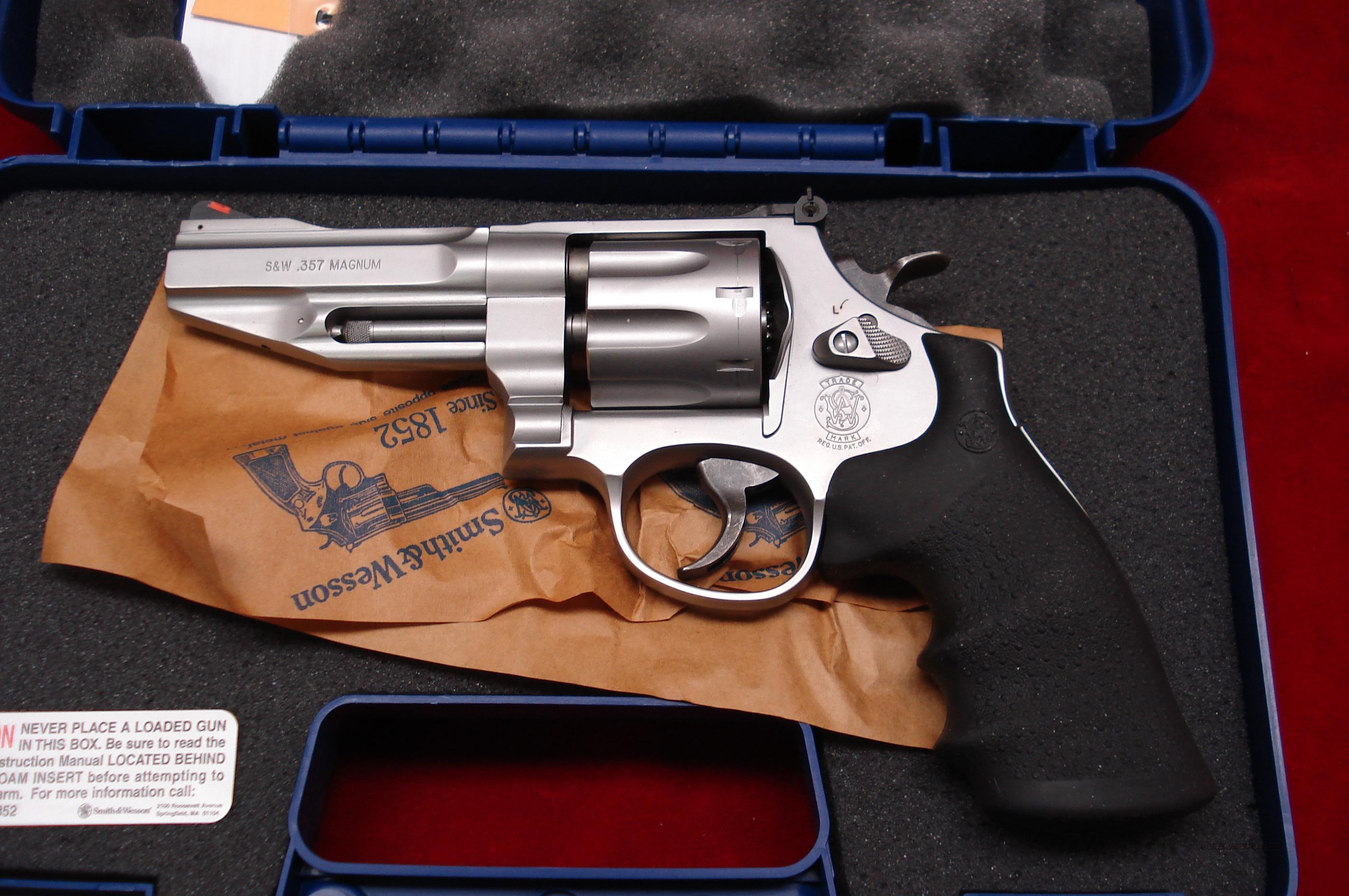 "SMITH AND WESSON MODEL 627 PRO SERIES 357MAG STAINLESS 4 1/8"" NEW  Guns > Pistols > Smith & Wesson Revolvers > Performance Center"