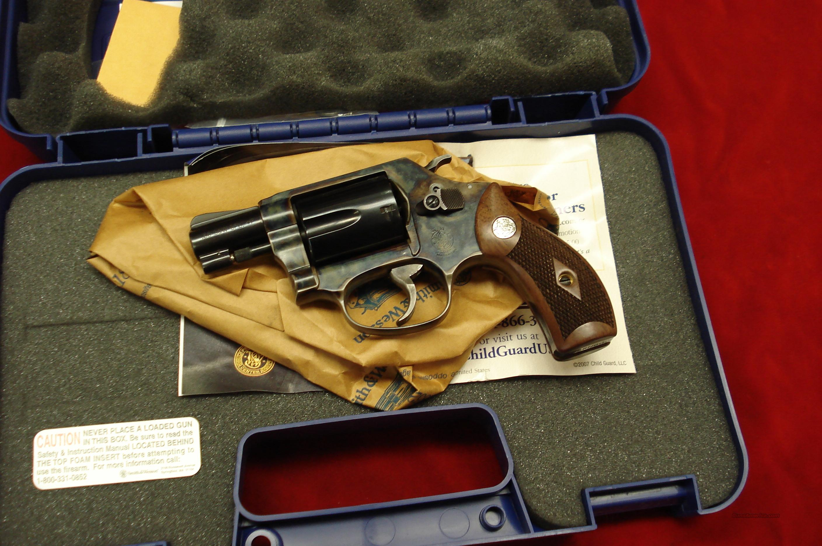 SMITH AND WESSON MODEL 36 CLASSIC 38SPL. CASE COLOR/BLUE NEW  Guns > Pistols > Smith & Wesson Revolvers > Pocket Pistols