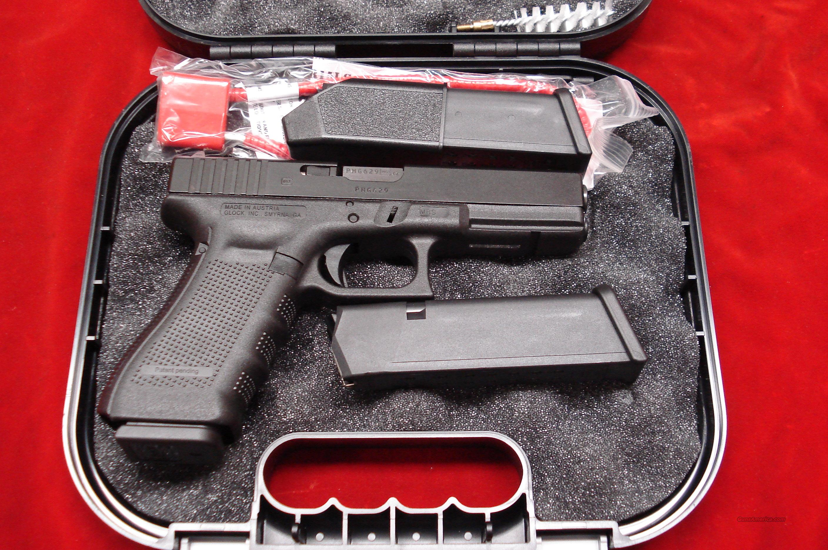 GLOCK NEW MODEL 17 GENERATION 4 9MM WITH  3 HIGH CAPACITY MAGAZINES NEW   Guns > Pistols > Glock Pistols > 17
