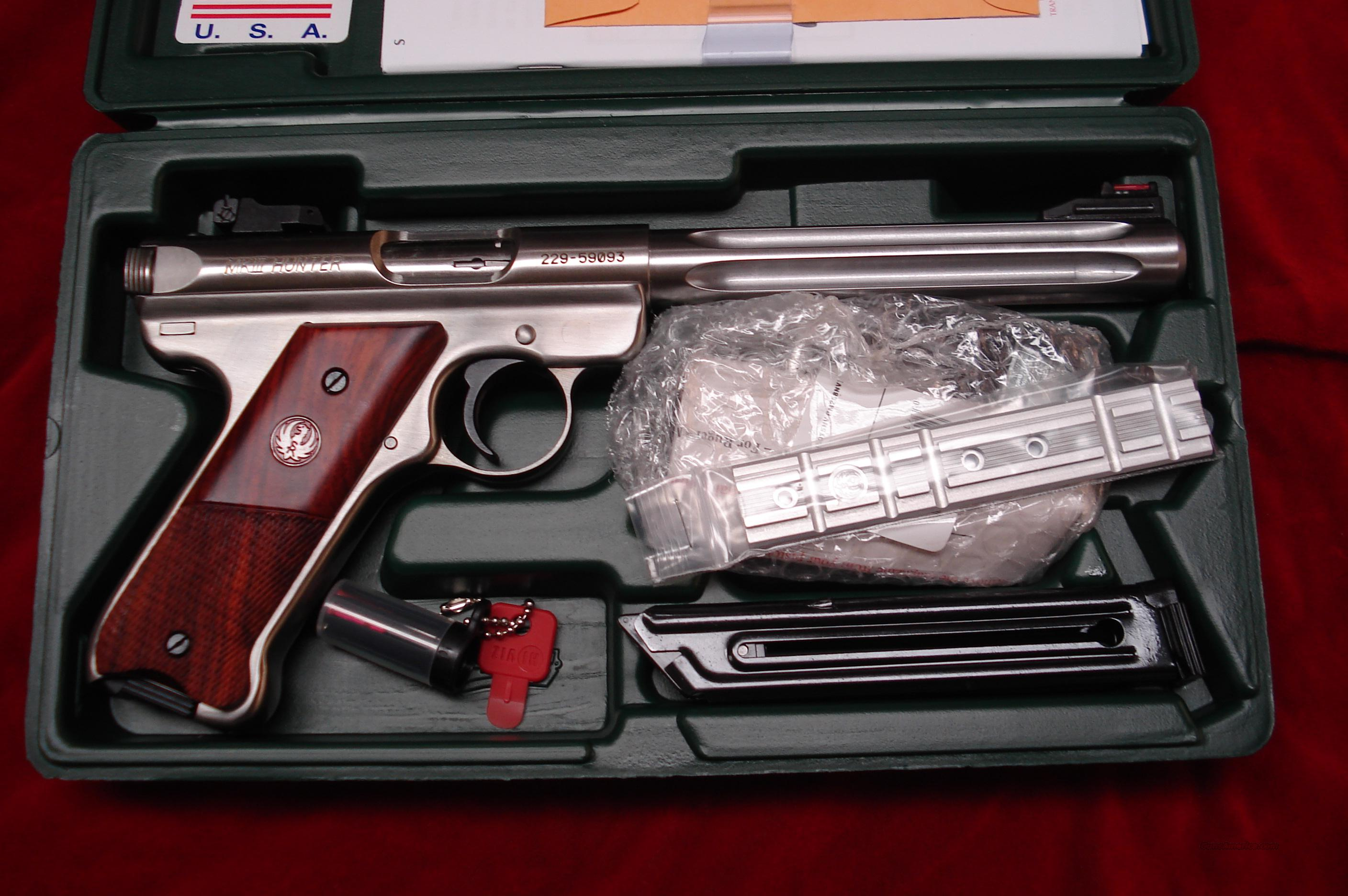 "RUGER MKIII HUNTER 6 7/8"" STAINLESS FLUTED 22CAL. NEW (KMKIII678H)    Guns > Pistols > Ruger Semi-Auto Pistols > Mark I & II Family"