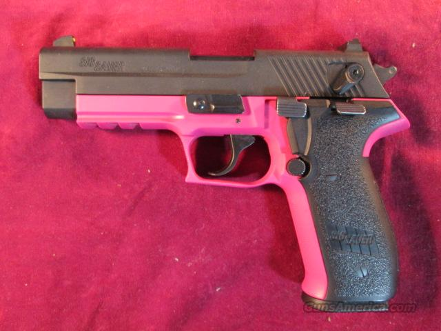 SIG SAUER MOSQUITO 22LR PINK USED  Guns > Pistols > Sig - Sauer/Sigarms Pistols > Mosquito