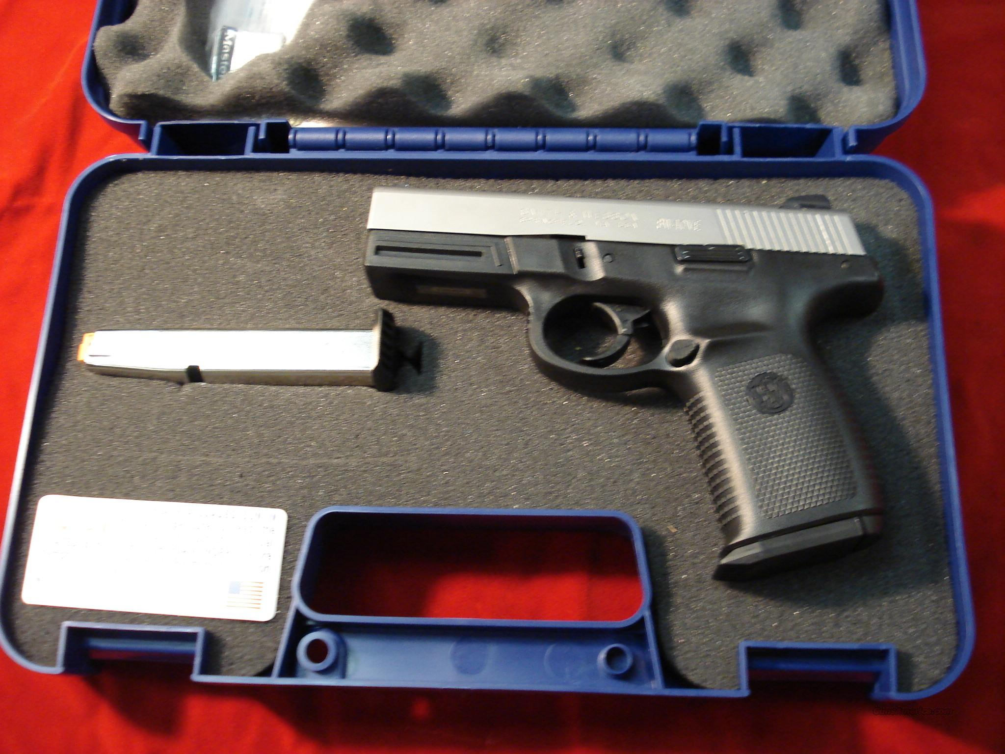 SMITH AND WESSON SIGMA STAINLESS 40 S&W NEW   Guns > Pistols > Smith & Wesson Pistols - Autos > Polymer Frame