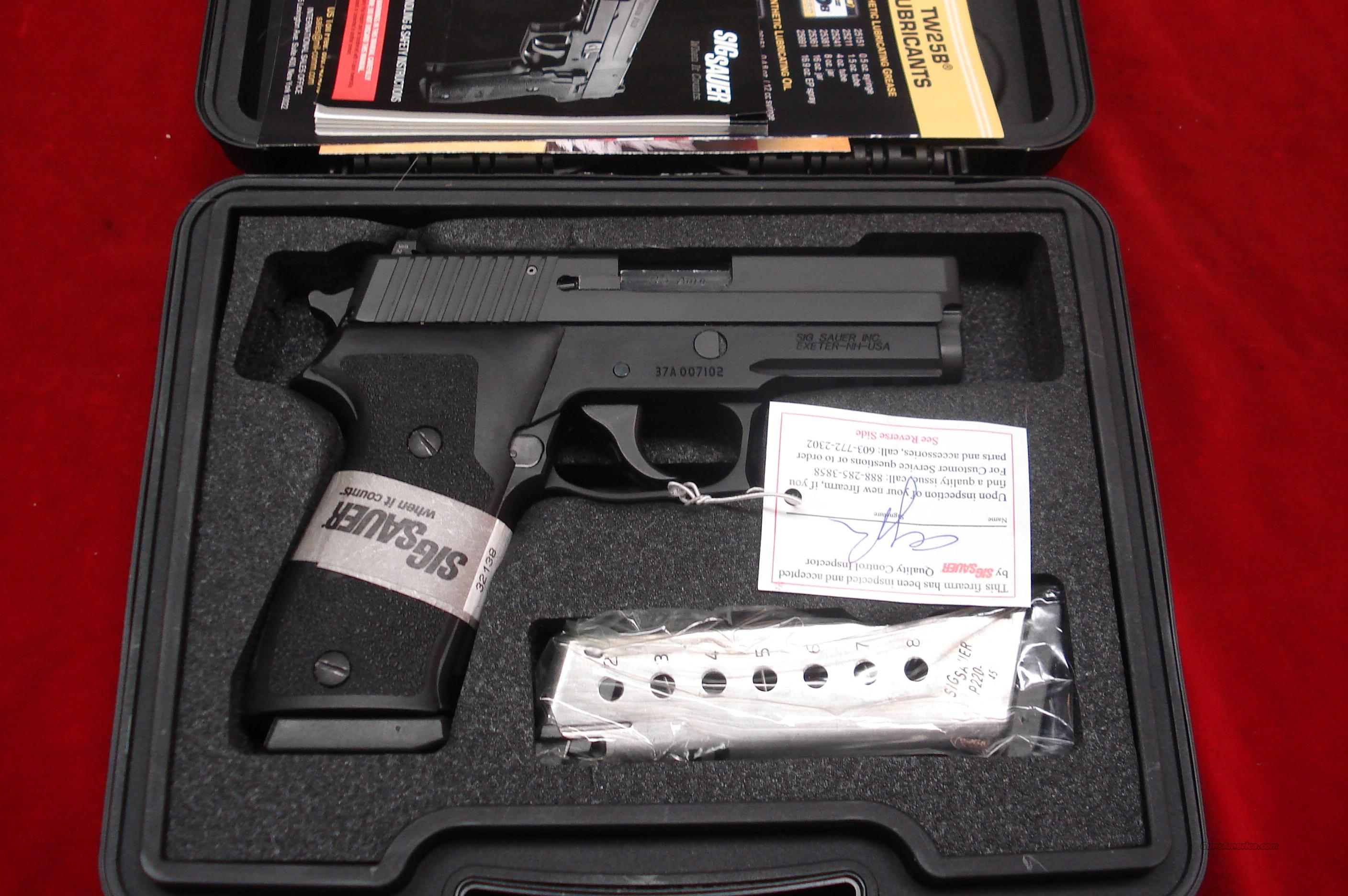SIG SAUER P220 CARRY 45ACP WITH NIGHT SIGHTS NEW  Guns > Pistols > Sig - Sauer/Sigarms Pistols > P220