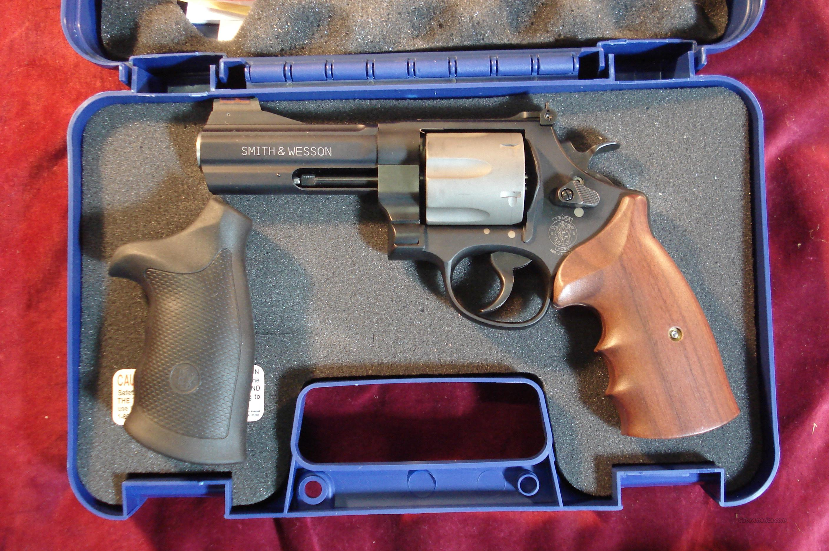 SMITH AND WESSON 329 PD 44 MAG TITANIUM NEW  Guns > Pistols > Smith & Wesson Revolvers > Full Frame Revolver