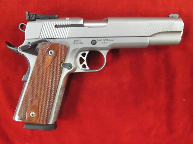 SMITH AND WESSON 1911 STAINLESS W/ ADJUSTABLE 3 DOT SIGHTS USED  Guns > Pistols > Smith & Wesson Pistols - Autos > Steel Frame