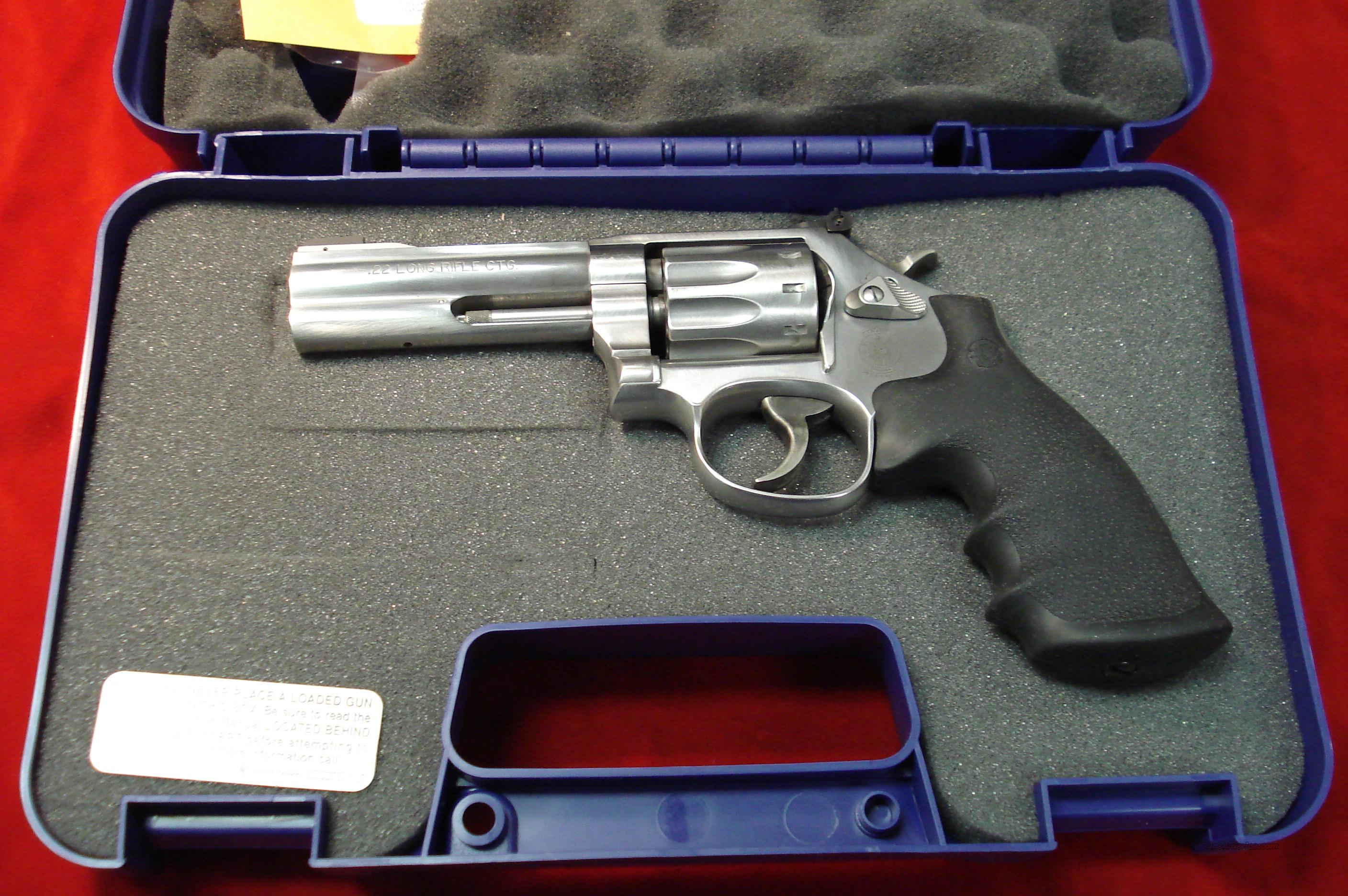 "SMITH AND WESSON 617 22CAL. STAINLESS 4"" 10 SHOT NEW    Guns > Pistols > Smith & Wesson Revolvers > Full Frame Revolver"