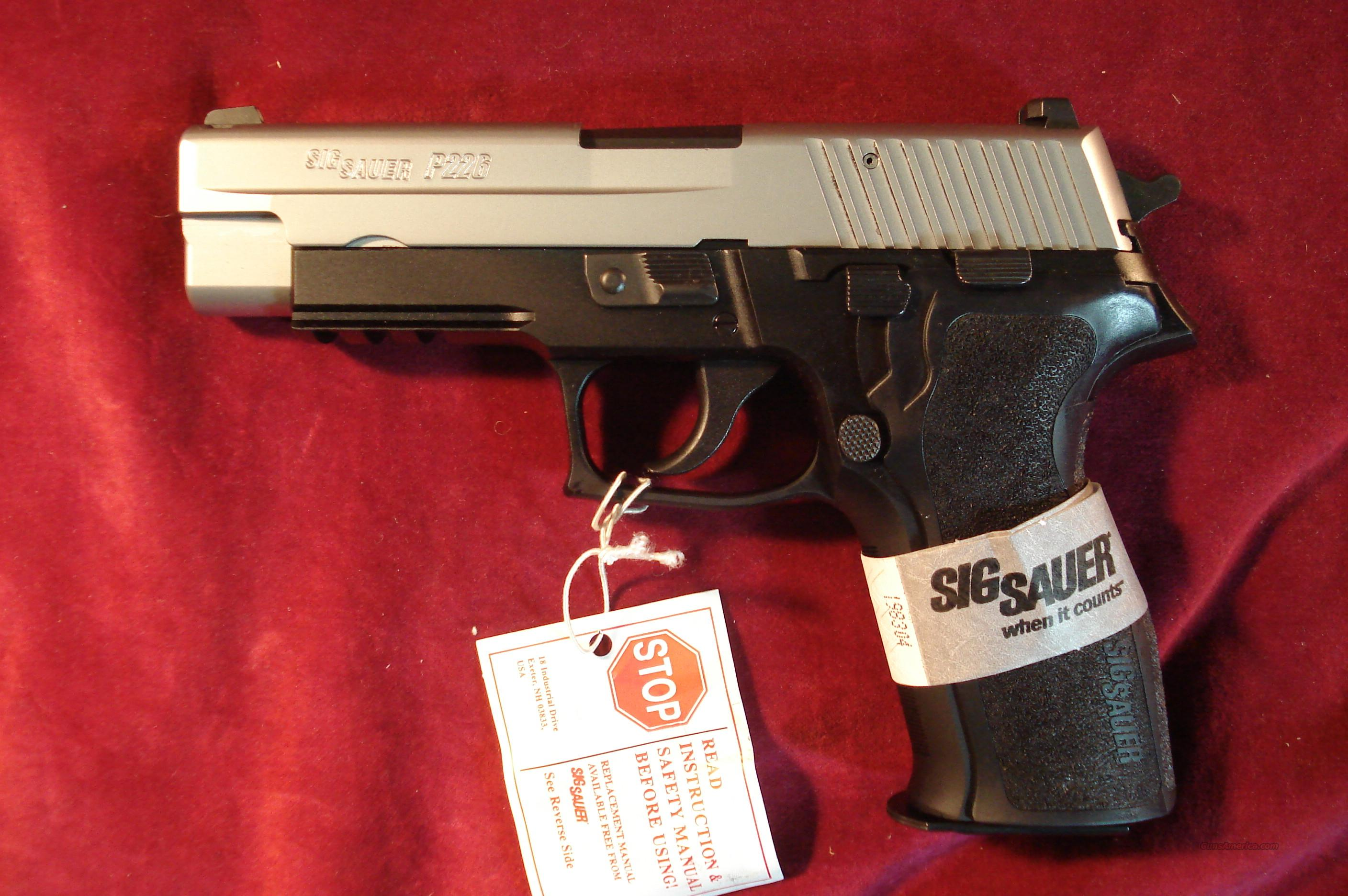 SIG SAUER P226 TWO TONE 9MM W/NIGHT SIGHTS NEW  Guns > Pistols > Sig - Sauer/Sigarms Pistols > P226