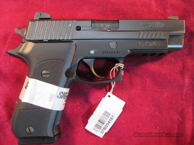 SIG SAUER P220 ELITE 45ACP WITH ADJUSTABLE NIGHT SIGHTS NEW (220R-45-DSE)  Guns > Pistols > Sig - Sauer/Sigarms Pistols > P220
