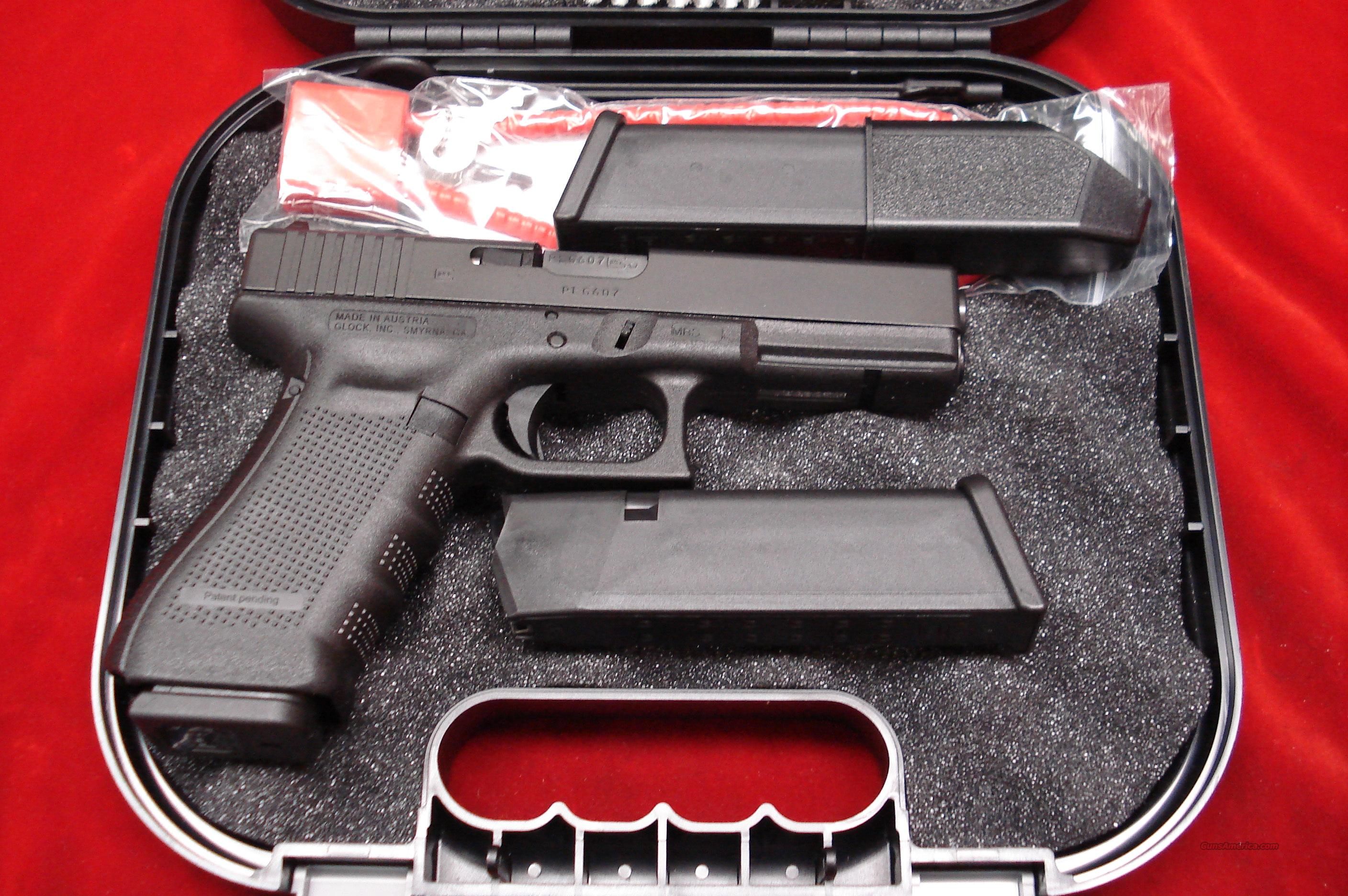GLOCK NEW MODEL 22 GENERATION 4 .40CAL. WITH 3 HIGH CAPACITY MAGAZINES NEW   Guns > Pistols > Glock Pistols > 22