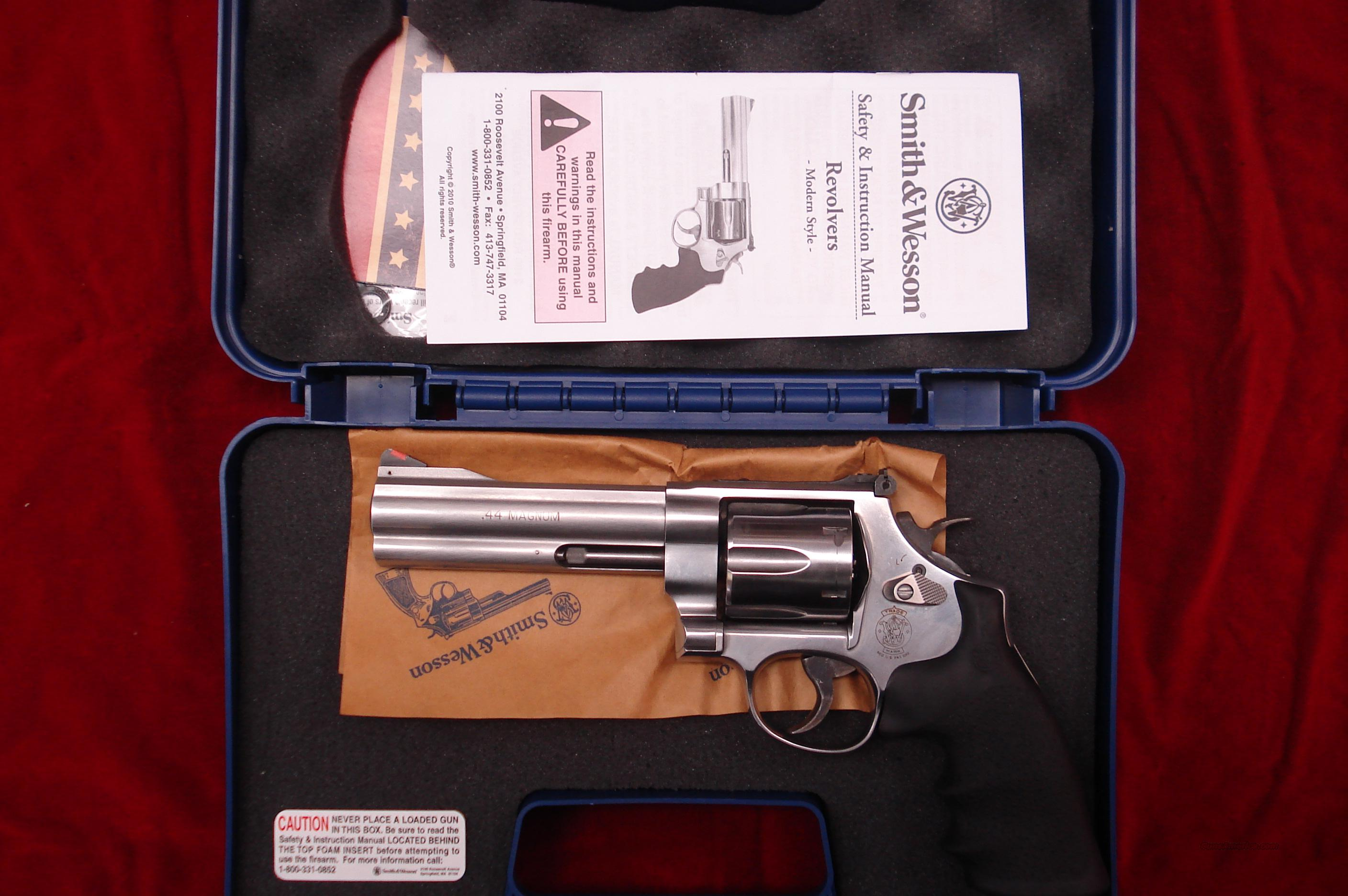 "SMITH AND WESSON MODEL 629 CLASSIC 44MAG. 5"" STAINLESS LNIB  Guns > Pistols > Smith & Wesson Revolvers > Model 629"