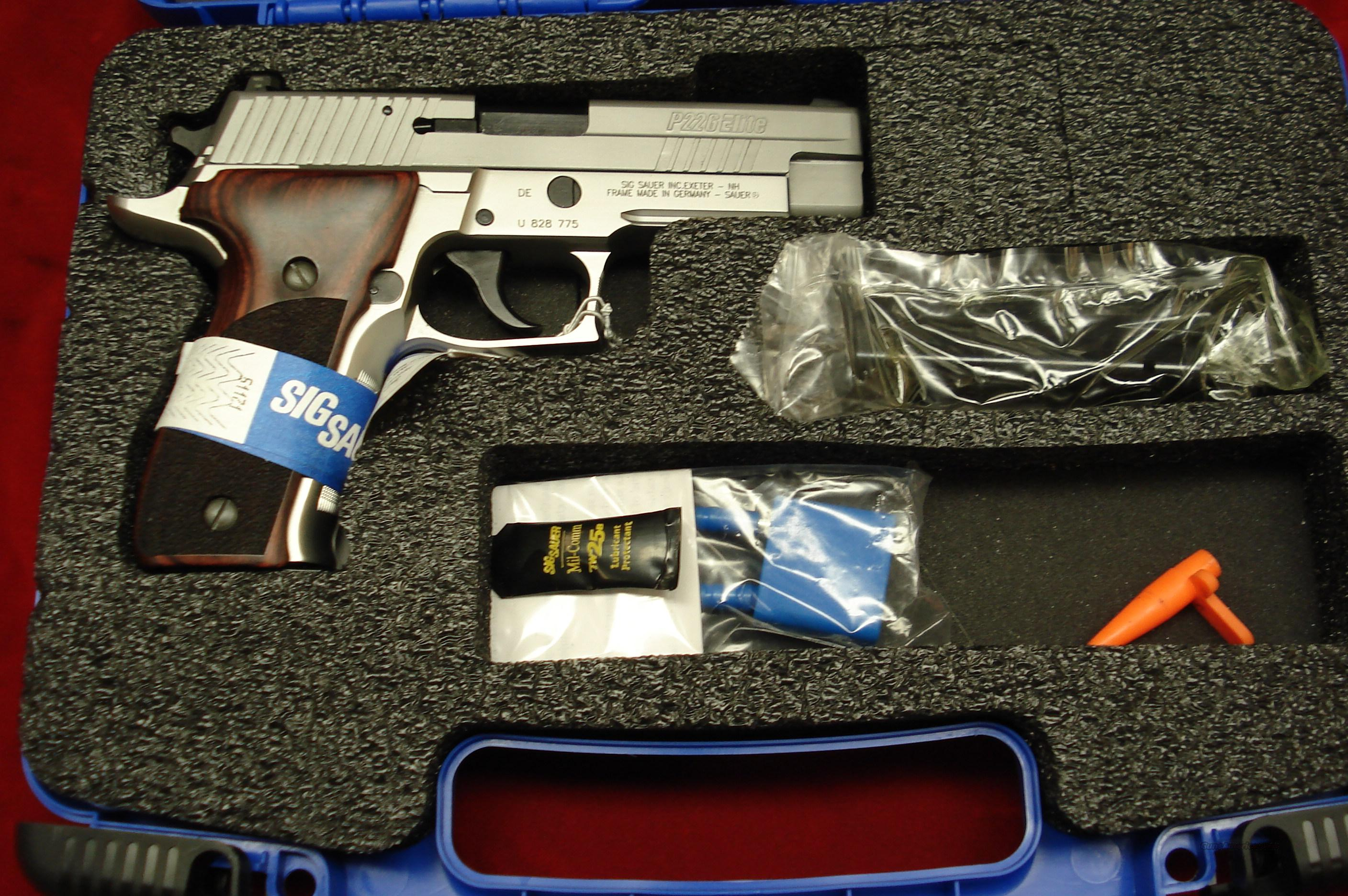 SIG SAUER P226 ELITE 40CAL STAINLESS  WITH NIGHT SIGHTS NEW  Guns > Pistols > Sig - Sauer/Sigarms Pistols > P226