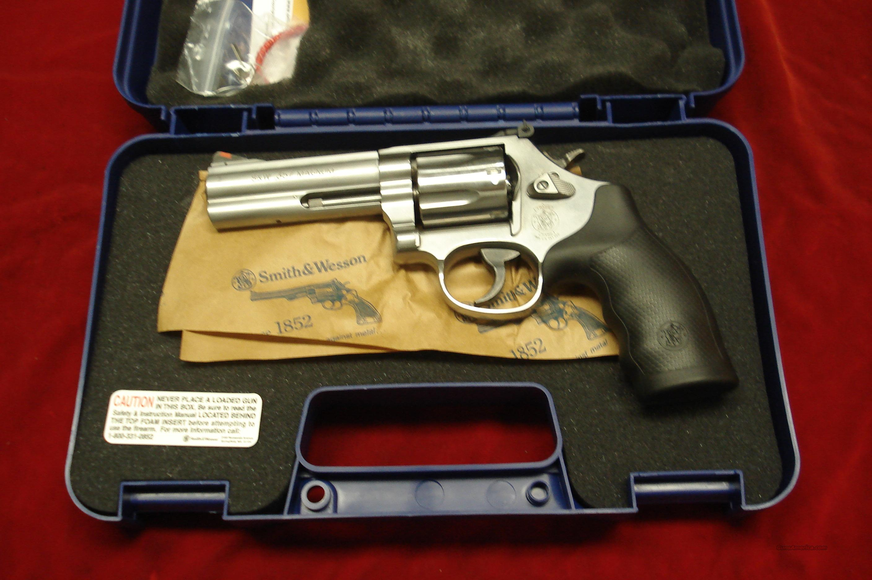 "SMITH AND WESSON MODEL 686 4"" 357MAG STAINLESS NEW  Guns > Pistols > Smith & Wesson Revolvers > Full Frame Revolver"