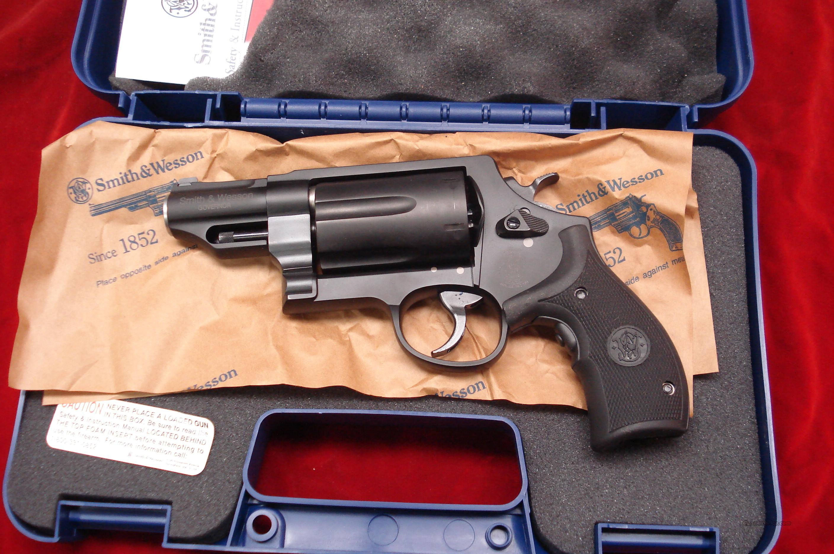 SMITH AND WESSON GOVERNOR 45COLT/45ACP/410G REVOLVER WITH LASER GRIPS NEW  Guns > Pistols > Smith & Wesson Revolvers > Full Frame Revolver