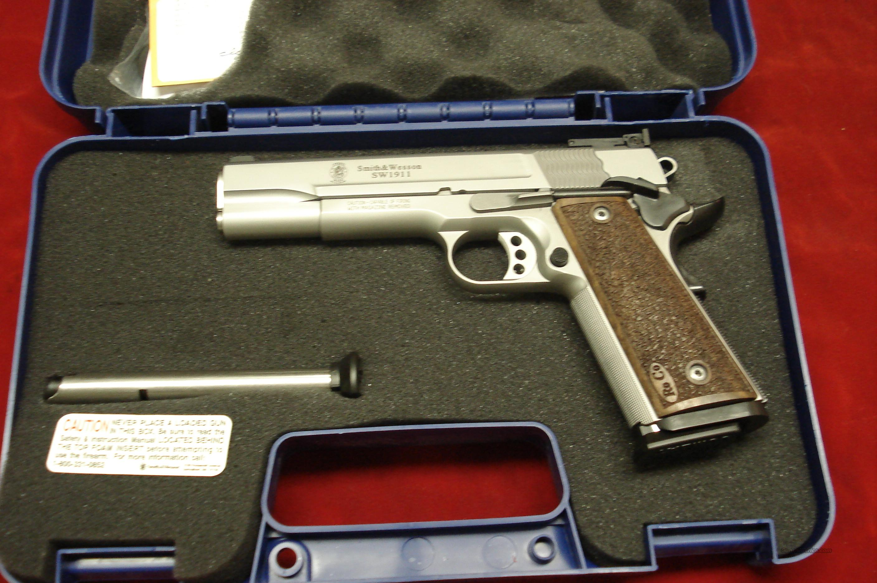 SMITH AND WESSON SW1911 PRO SERIES 9MM WITH ADJUSTABLE SIGHTS NEW  Guns > Pistols > Smith & Wesson Pistols - Autos > Steel Frame