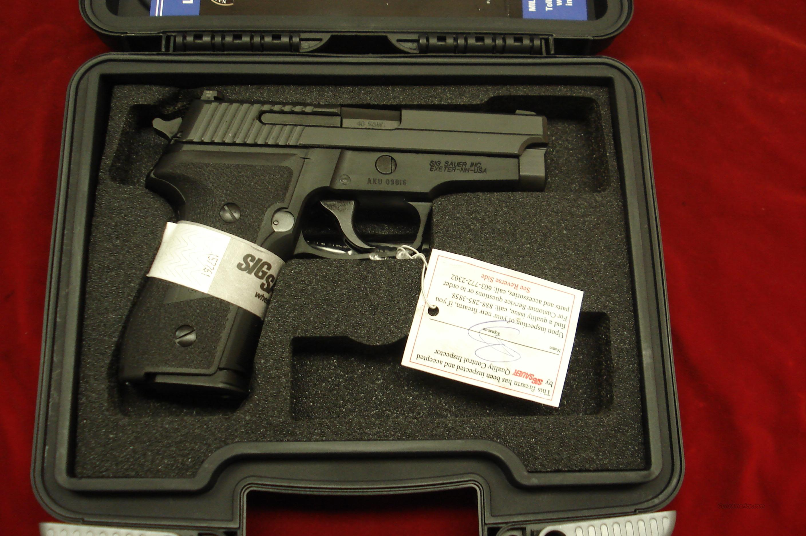 SIG SAUER P229 .40CAL WITH NIGHT SIGHTS NEW   Guns > Pistols > Sig - Sauer/Sigarms Pistols > P229