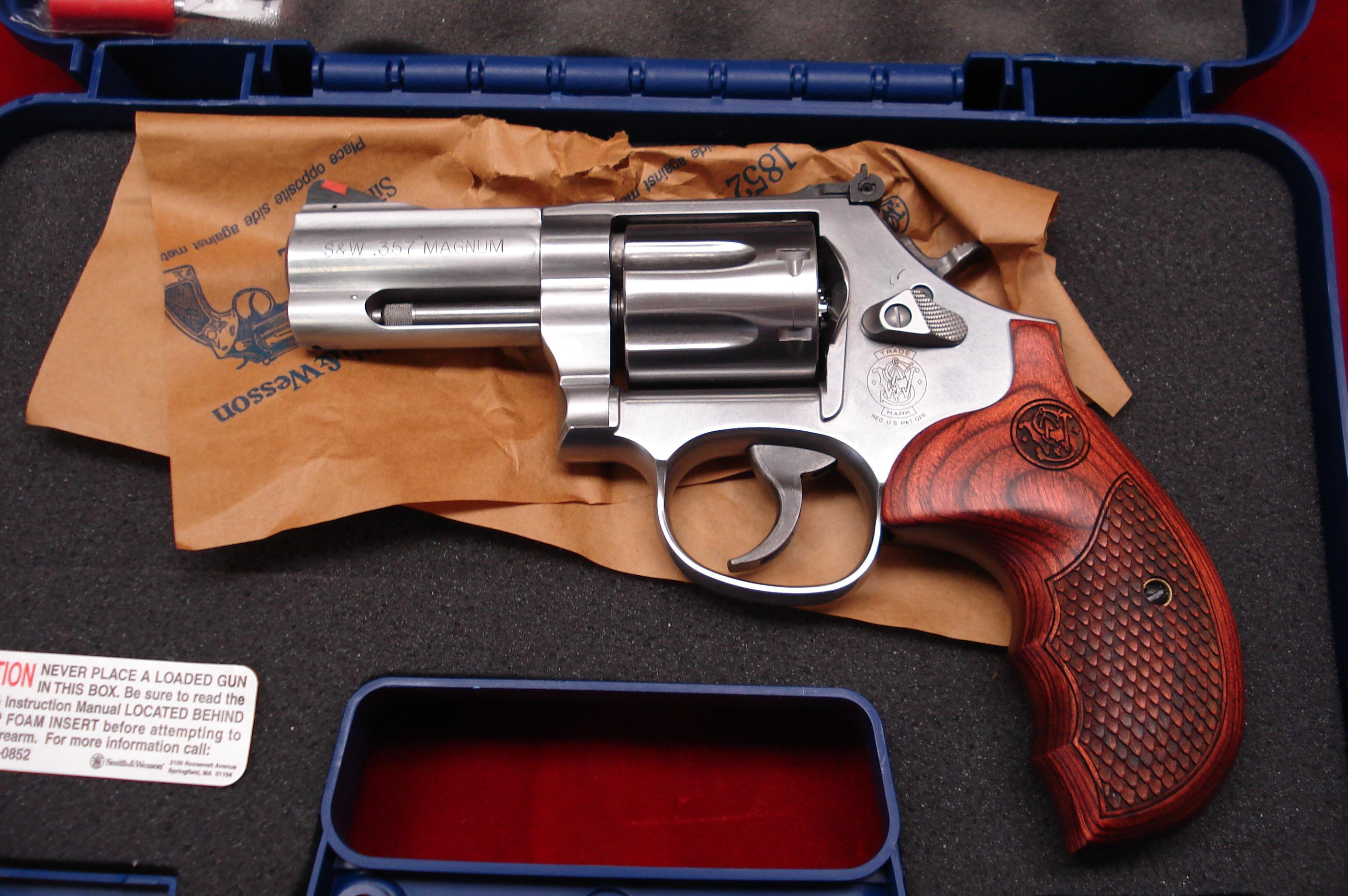 "SMITH AND WESSON MODEL 686 PLUS 3"" DELUXE 357MAG STAINLESS NEW  Guns > Pistols > Smith & Wesson Revolvers > Full Frame Revolver"