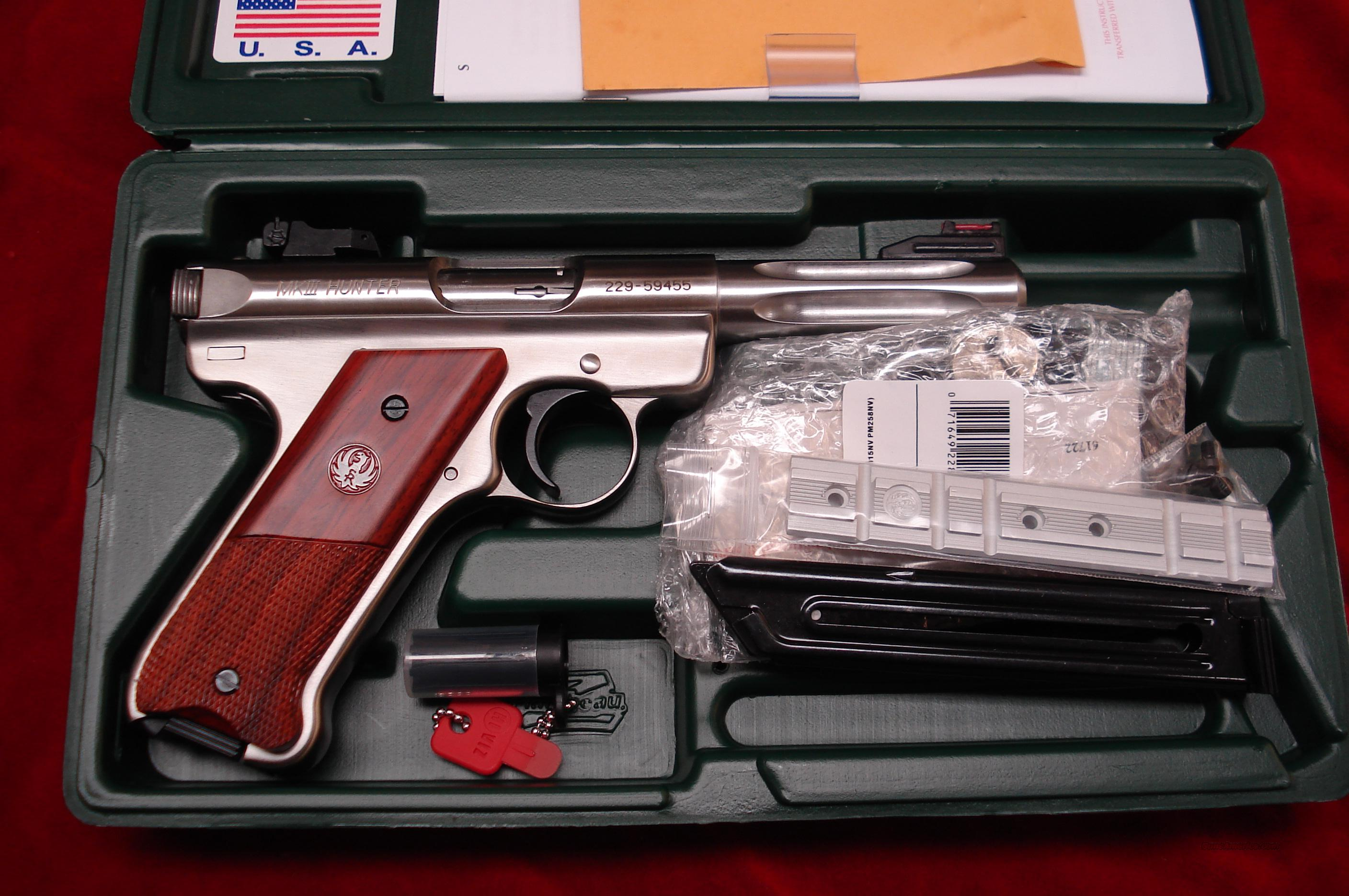 "RUGER MKIII HUNTER 4.5"" STAINLESS FLUTED NEW   (KMKIII45H)  Guns > Pistols > Ruger Semi-Auto Pistols > Mark I & II Family"