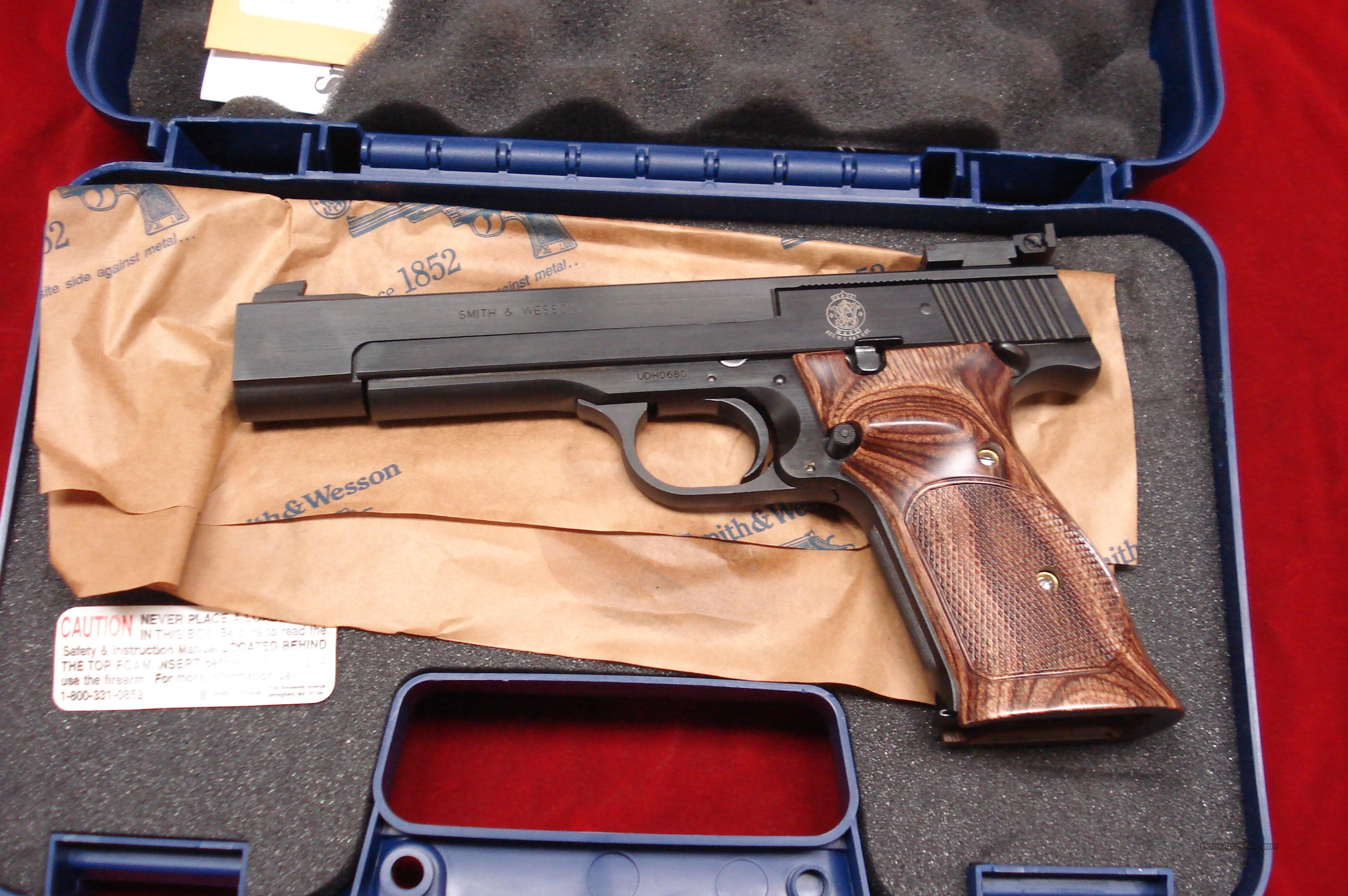 "SMITH AND WESSON MODEL 41 5.5"" 22CAL. NEW  Guns > Pistols > Smith & Wesson Pistols - Autos > .22 Autos"