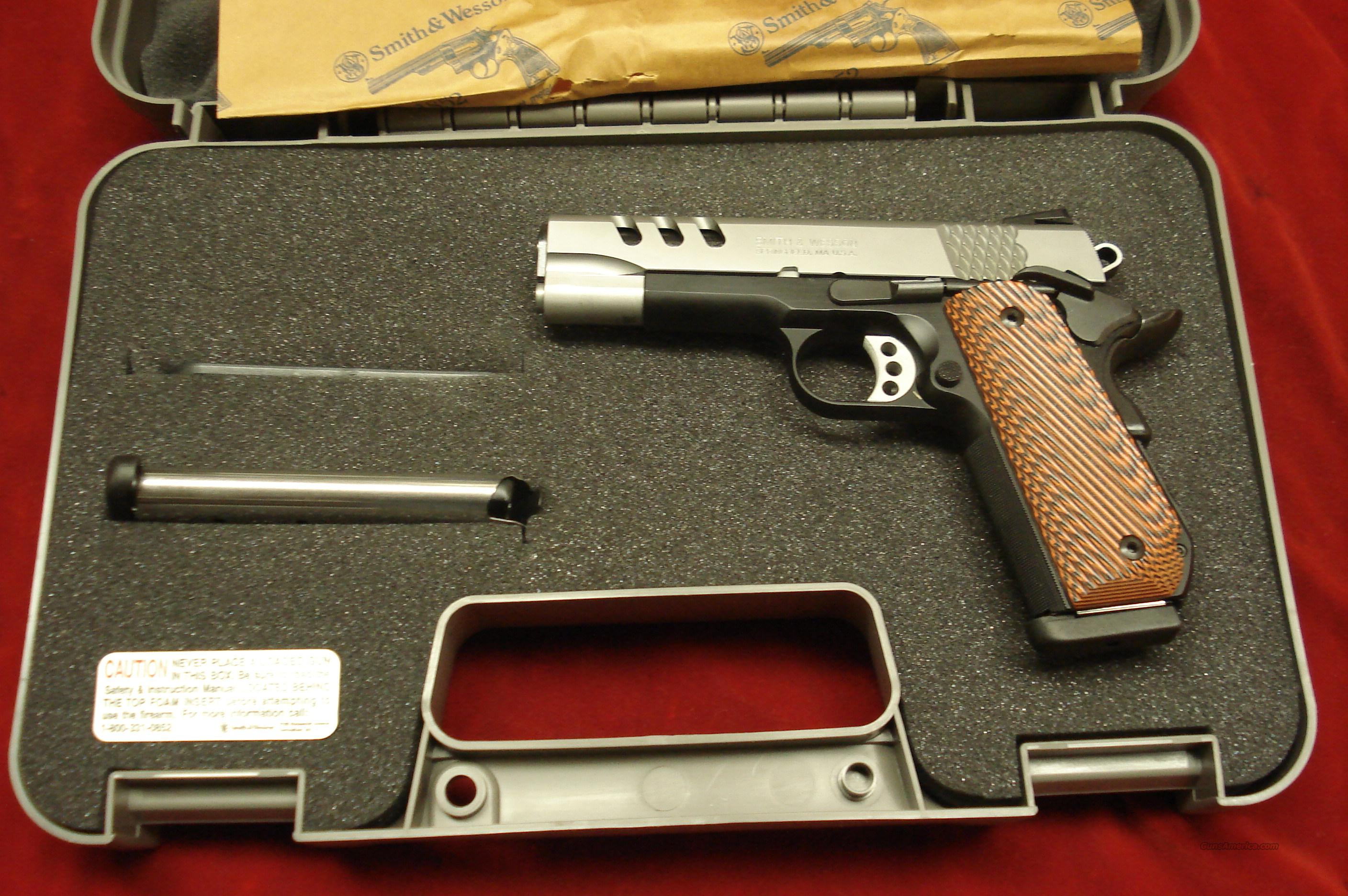 SMITH AND WESSON PERFORMANCE CENTER SW1911PC ROUND BUTT FRAME STAINLESS/SCANDIUM 45ACP  NEW  Guns > Pistols > Smith & Wesson Pistols - Autos > Steel Frame