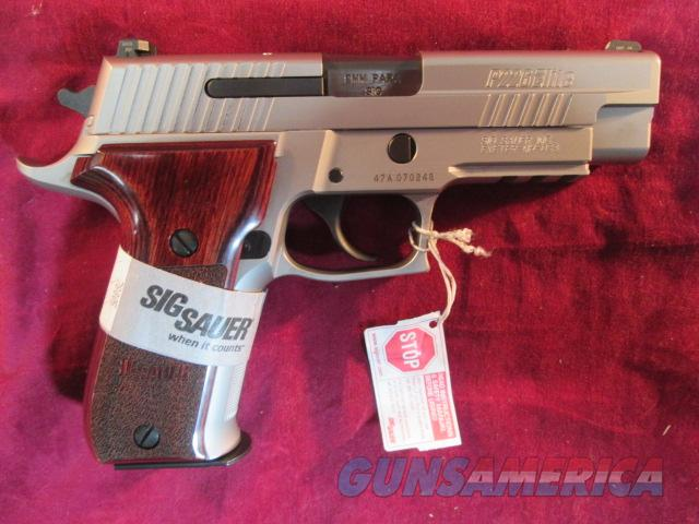SIG SAUER 226 STAINLESS ELITE ,ROSEWOOD GRIPS AND NIGHT SIGHTS NEW (E26R-9-SSE)  Guns > Pistols > Sig - Sauer/Sigarms Pistols > P226