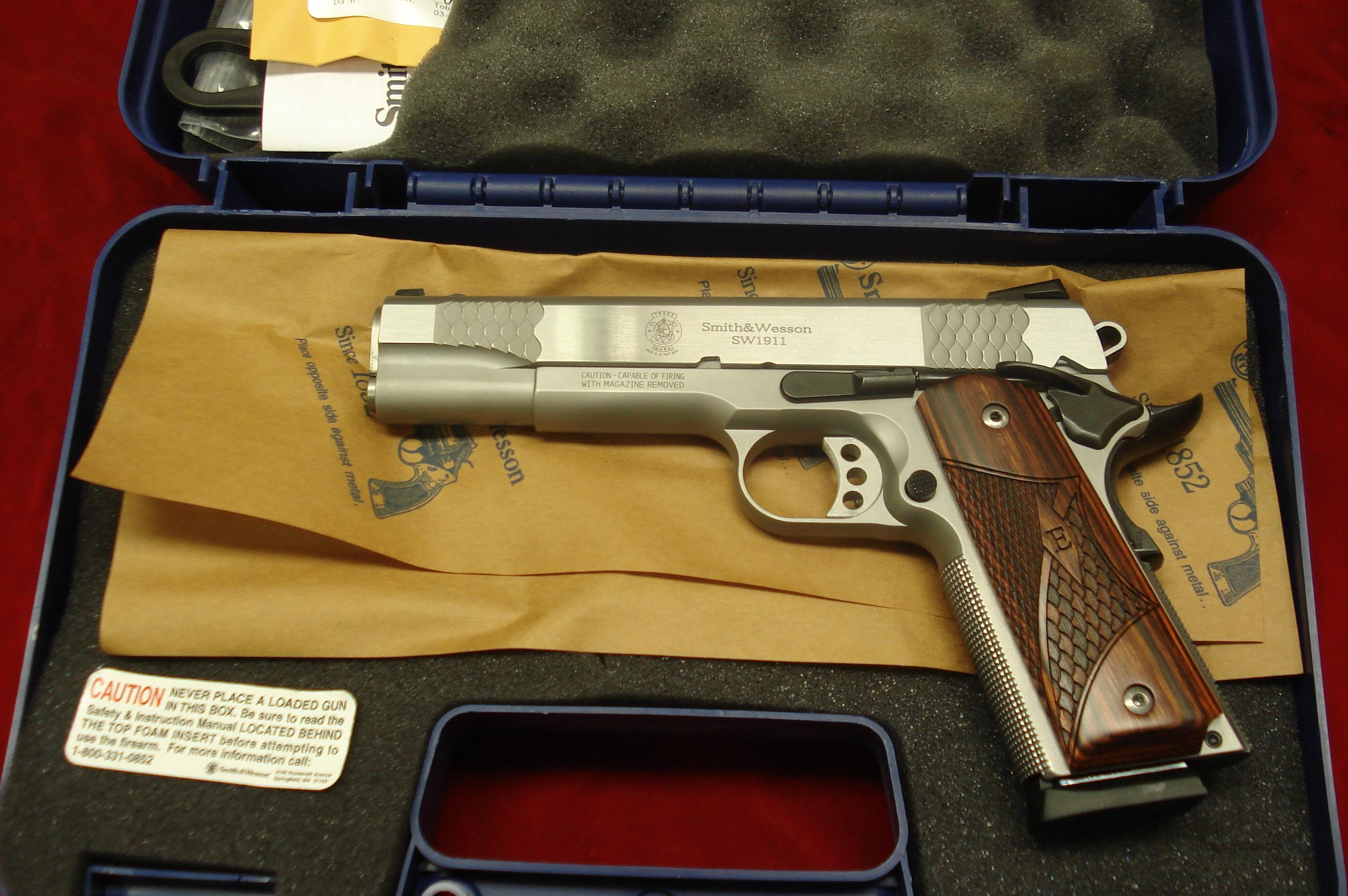 "SMITH AND WESSON SW1911 ""E"" SERIES STAINLESS  NEW  Guns > Pistols > Smith & Wesson Pistols - Autos > Steel Frame"