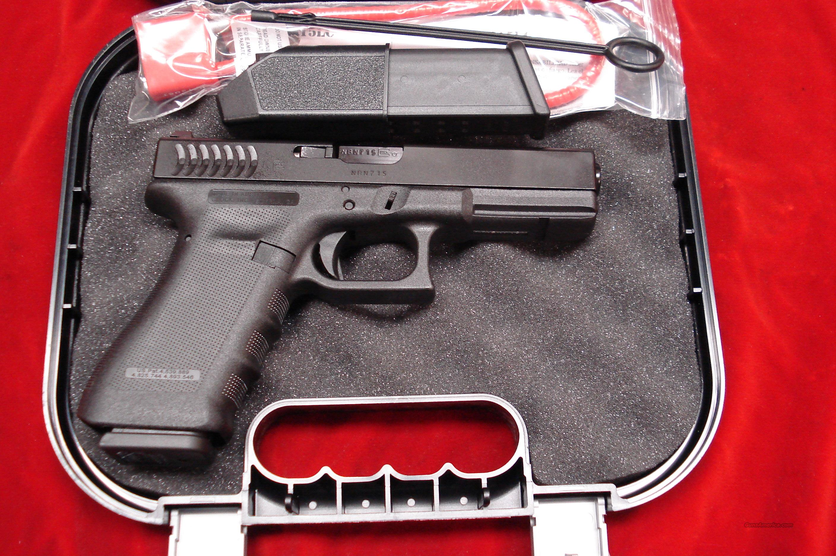 GLOCK NEW  MODEL 22 RTF2 (ROUGH TEXTURE FRAME) W/NIGHT SIGHTS AND HIGH CAPACITY MAGS NEW   Guns > Pistols > Glock Pistols > 22