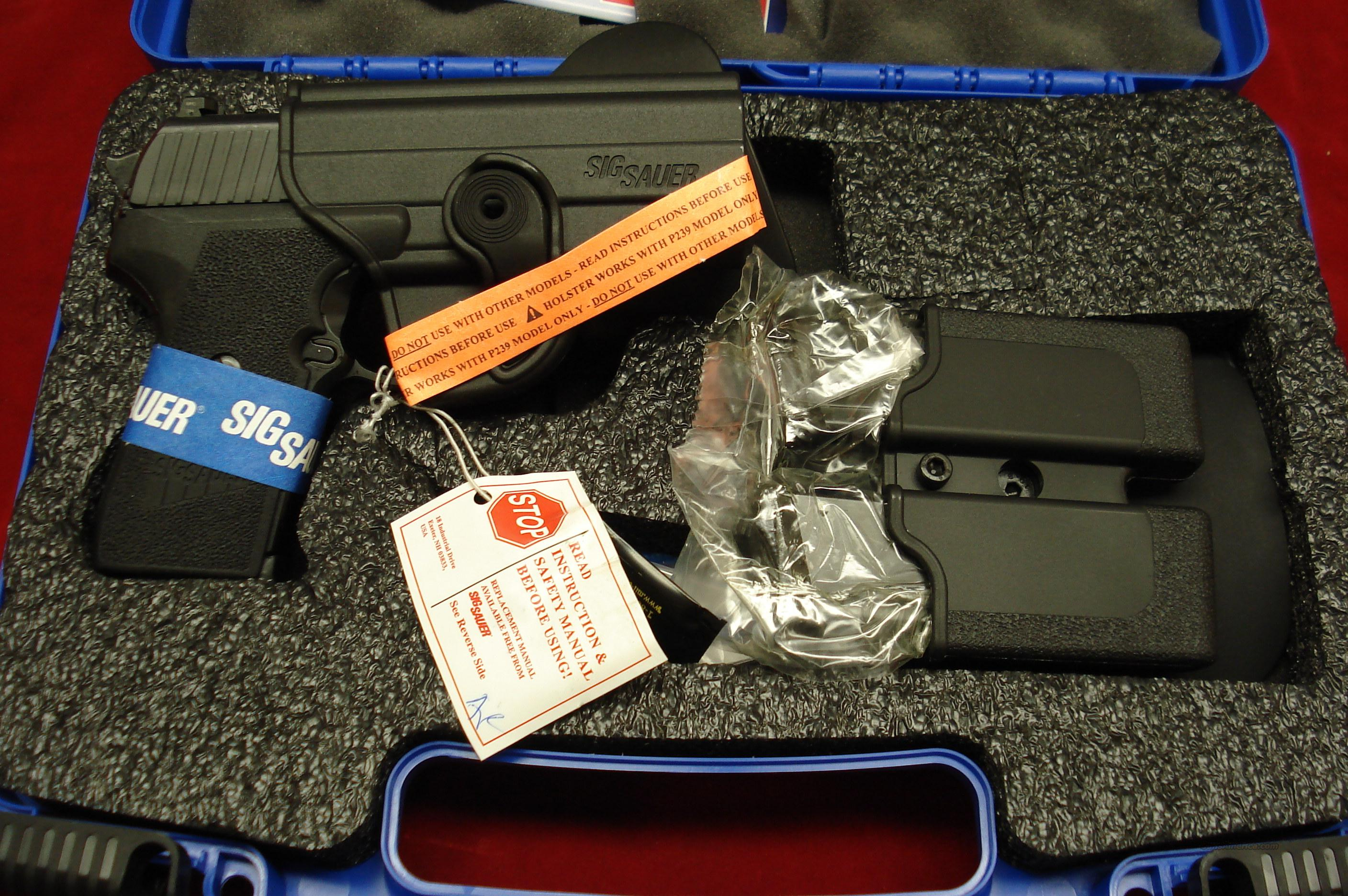 SIG SAUER P239 .40CAL W/NIGHT SIGHTS AND FACTORY ACC. NEW  Guns > Pistols > Sig - Sauer/Sigarms Pistols > P239