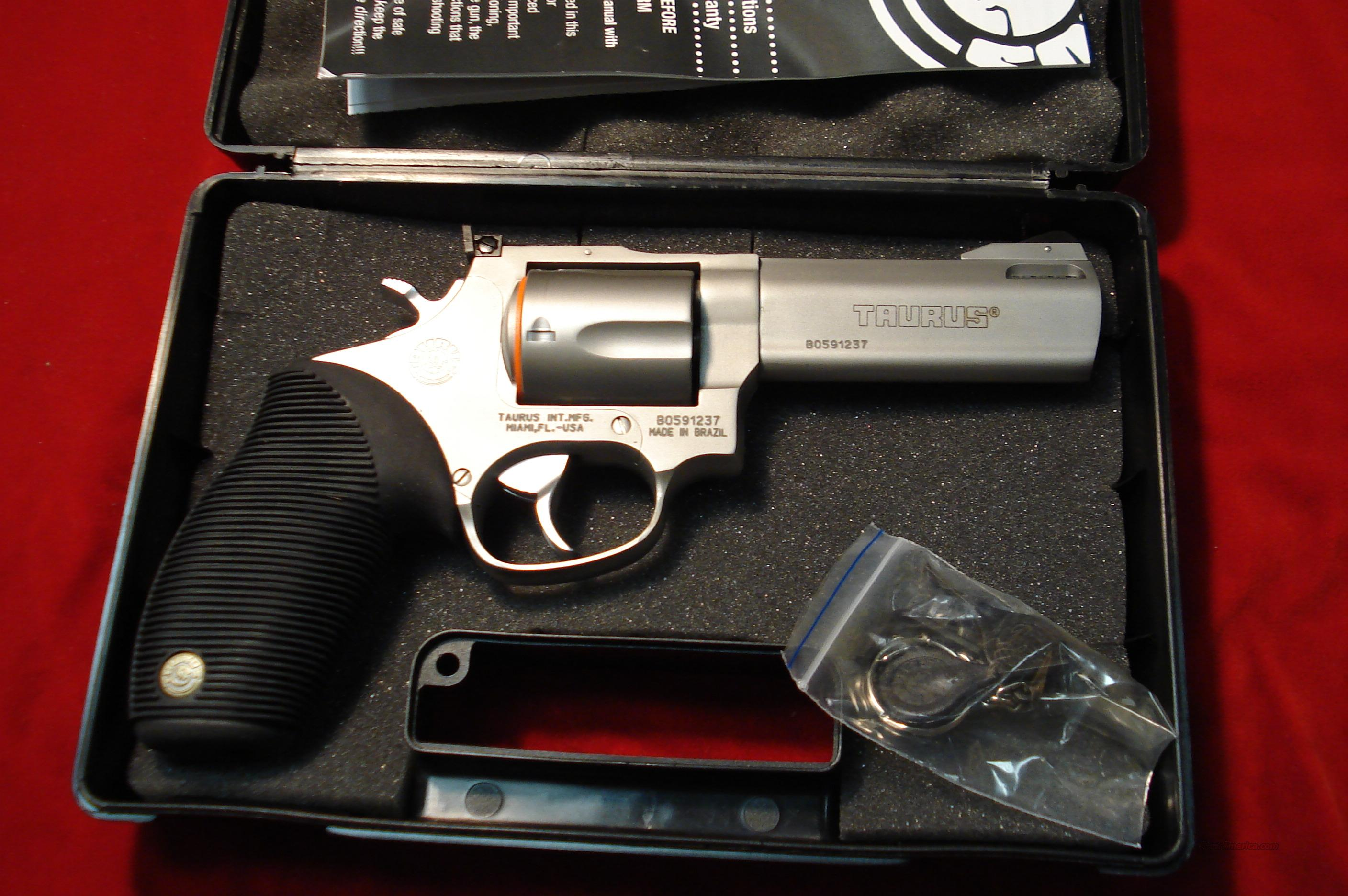 "TAURUS TRACKER #M44C STAINLESS PORTED 4"" 44MAG. NEW    Guns > Pistols > Taurus Pistols/Revolvers > Revolvers"