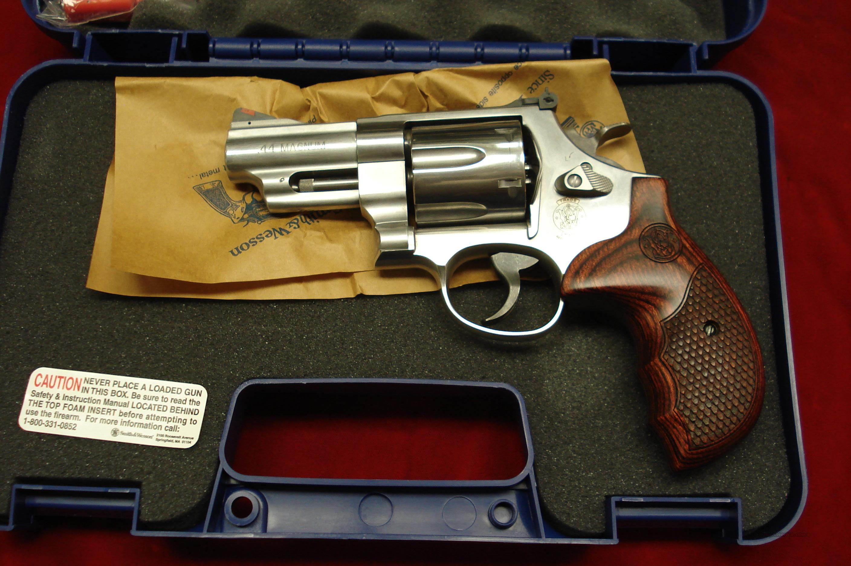 "SMITH AND WESSON MODEL 629 3"" DELUXE 44MAG STAINLESS NEW  (150715)    Guns > Pistols > Smith & Wesson Revolvers > Model 629"
