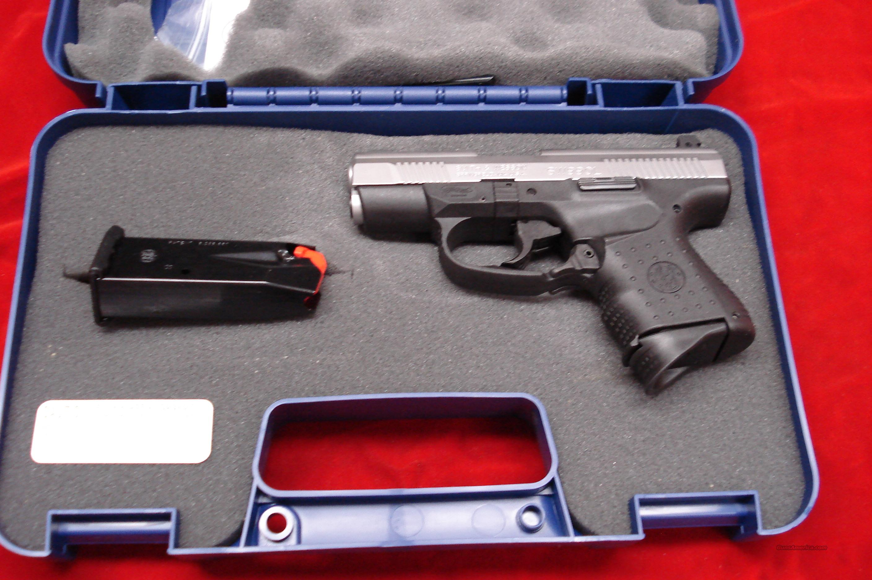 SMITH AND WESSON SW990L COMPACT .40 CAL. STAINLESS WITH NIGHT SIGHTS NEW   Guns > Pistols > Smith & Wesson Pistols - Autos > Polymer Frame