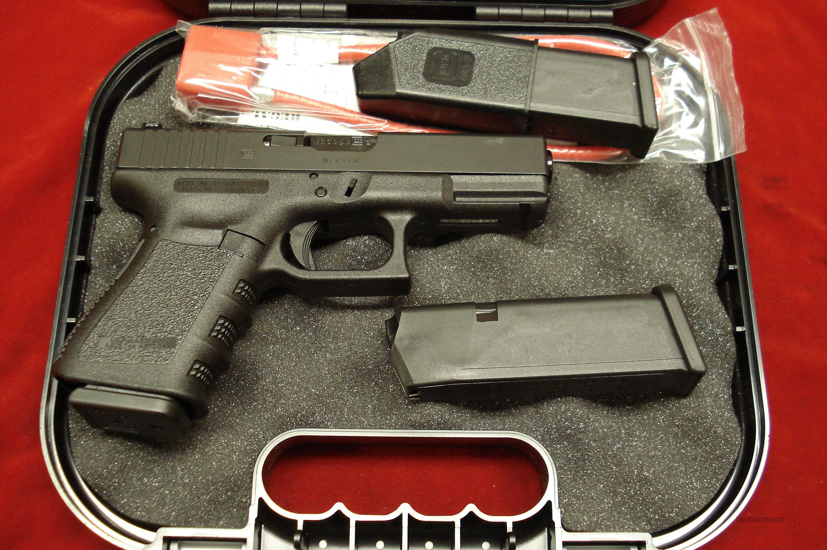 GLOCK MODEL 23 40CAL. W/ FACTORY TRIJICON NIGHT SIGHTS AND 3 HIGH CAP MAGAZINES NEW  Guns > Pistols > Glock Pistols > 23