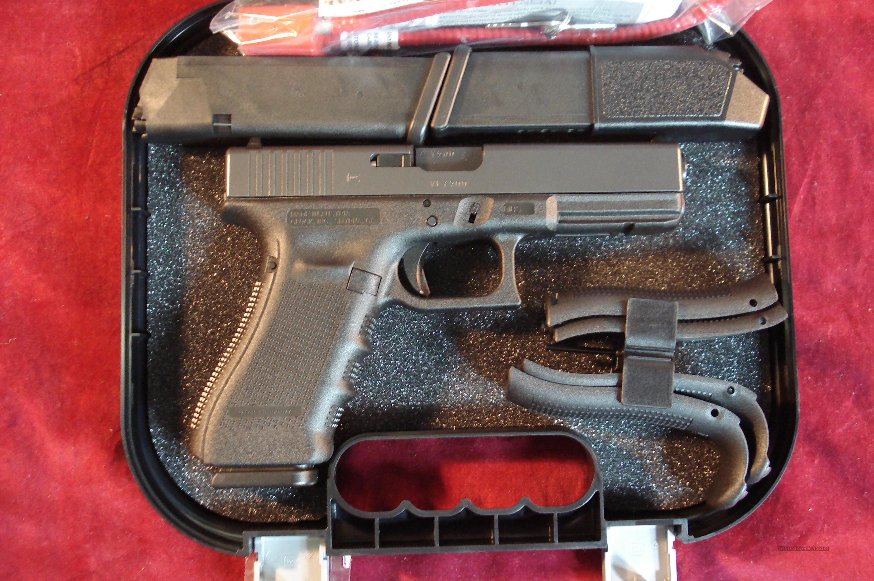 GLOCK 22 40CAL GEN 4  W/ 3 HIGH CAPACITY MAGS 4 BACKSTRAPS NEW  Guns > Pistols > Glock Pistols > 22