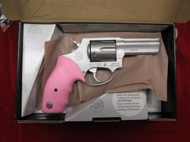 "TAURUS 327 FEDERAL MODEL 327 STAINLESS PORTED 3"" BARREL PINK GRIPS USED  Guns > Pistols > Taurus Pistols/Revolvers > Revolvers"