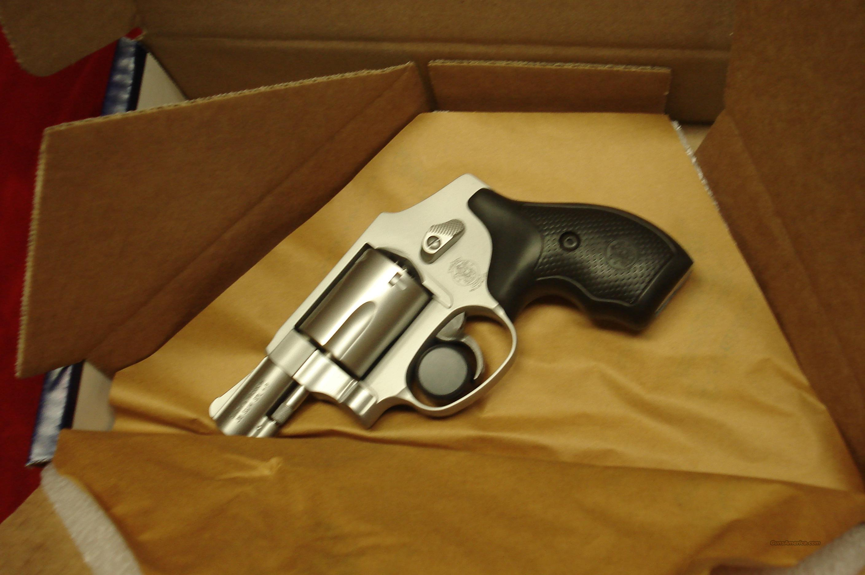 SMITH AND WESSON 642 AIRWEIGHT NEW ( NO LOCK)  Guns > Pistols > Smith & Wesson Revolvers > Pocket Pistols