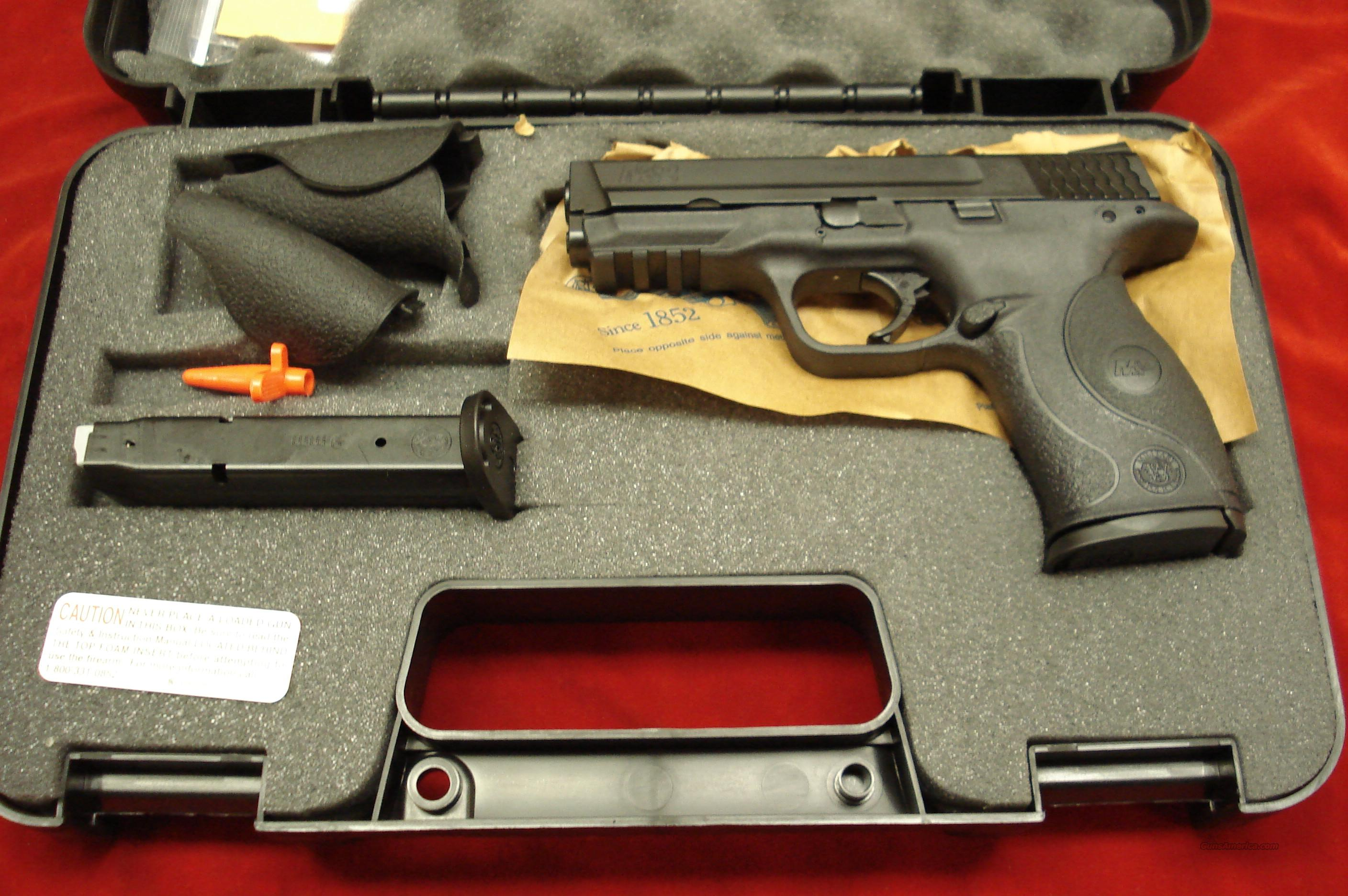 SMITH AND WESSON M&P 9MM HIGH/CAP W/CRIMSON TRACE LASER GRIPS NEW  Guns > Pistols > Smith & Wesson Pistols - Autos > Polymer Frame