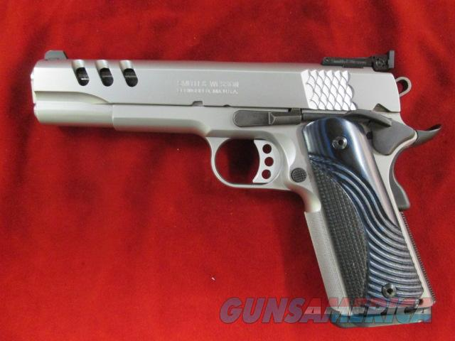SMITH AND WESSON PERFORMANCE CENTER SW1911PC STAINLESS W/ADJUSTABLE SIGHTS USED  Guns > Pistols > Smith & Wesson Pistols - Autos > Steel Frame