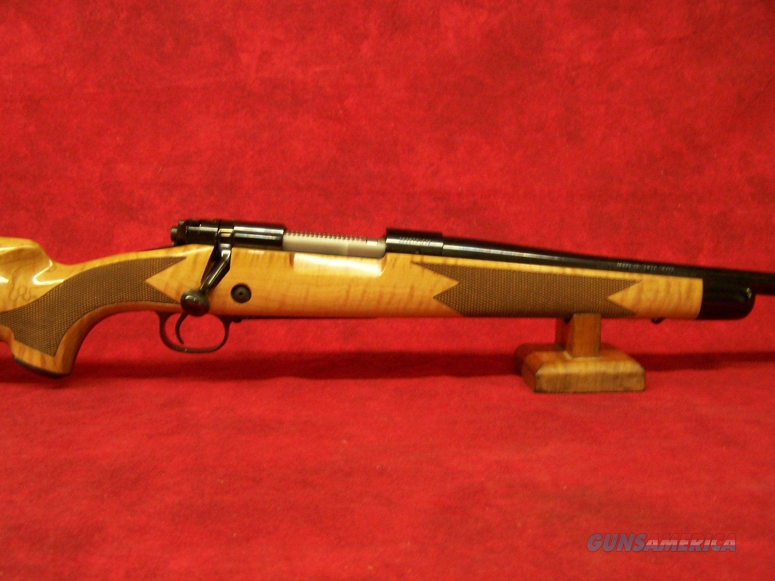 Winchester Model 70 Super Grade Maple .308 Winchester 22 Inch Barrel Polished Blue Finish M.O.A. Trigger AAA Maple Stock Gloss Finish (535218220)  Guns > Rifles > Winchester Rifles - Modern Bolt/Auto/Single > Model 70 > Post-64