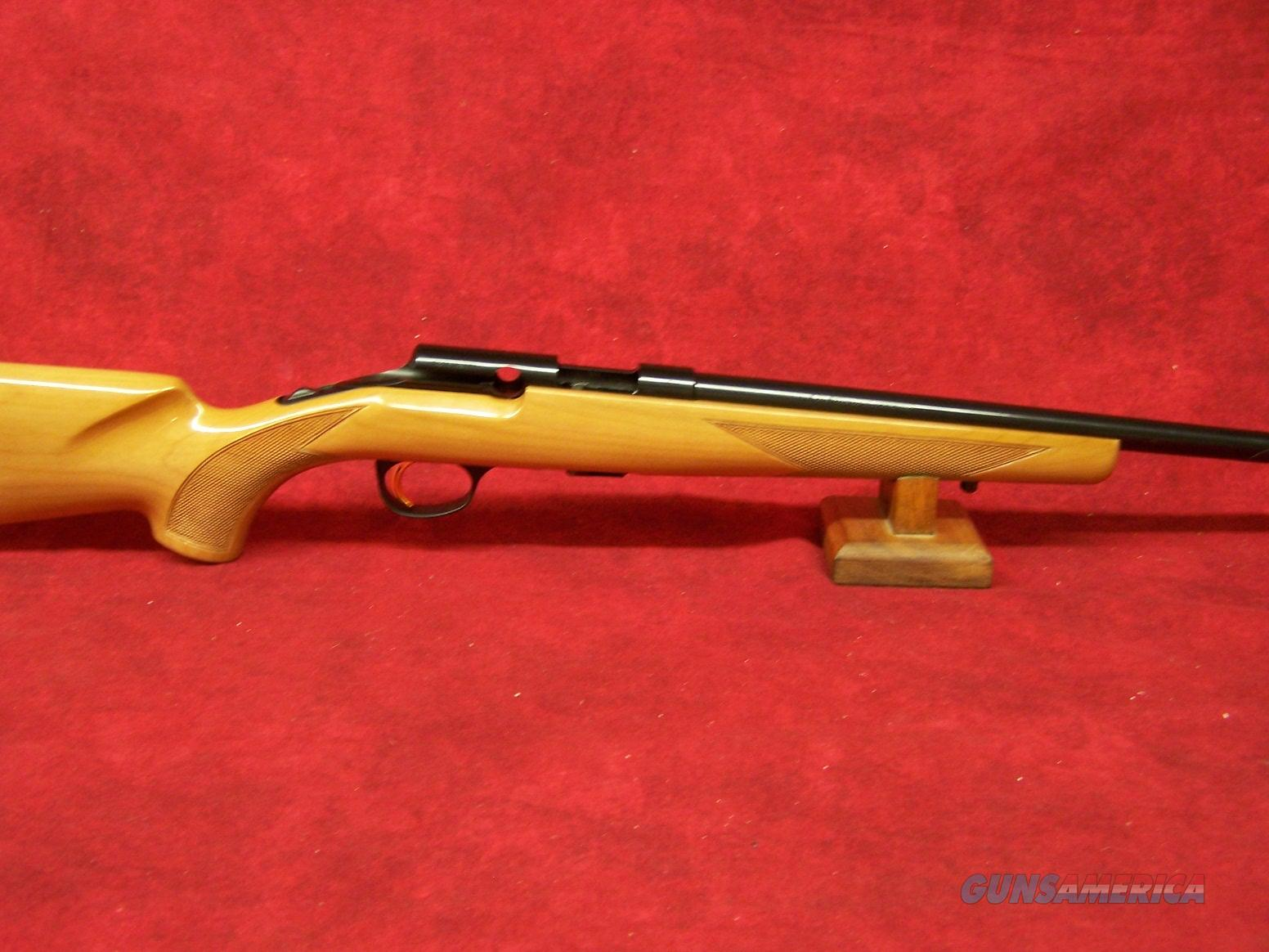 Browning T-Bolt Sporter Maple .22lr  Guns > Rifles > Browning Rifles > Bolt Action > Hunting > Blue