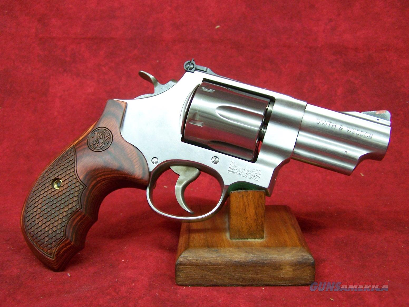 Smith & Wesson Model 629 Deluxe .44 Magnum 3 Inch Barrel (150715)  Guns > Pistols > Smith & Wesson Revolvers > Model 629