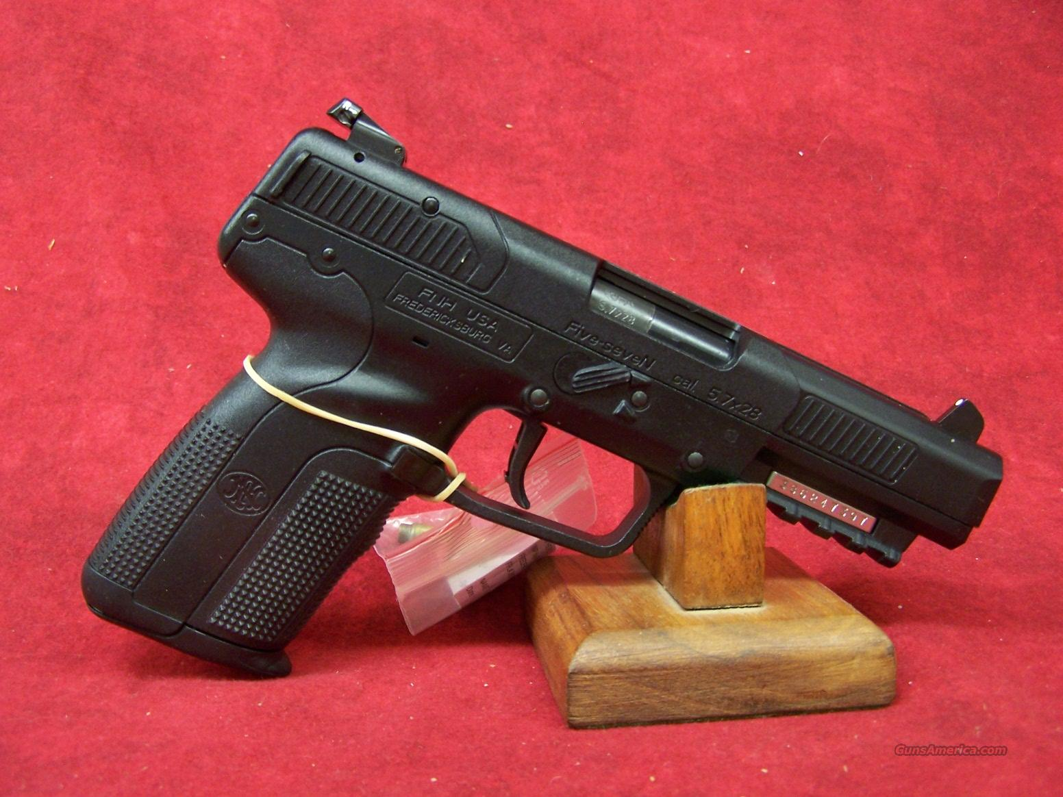 FNH Five Seven MK II 5.7 x 28mm Black 20rnd (3868929300)  Guns > Pistols > FNH - Fabrique Nationale (FN) Pistols > FiveSeven