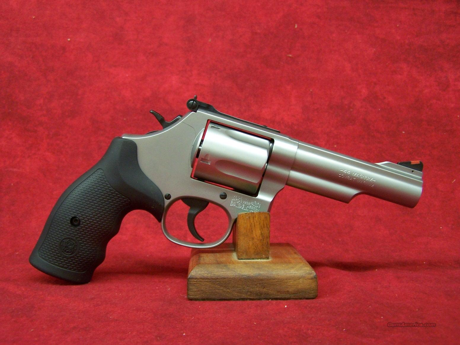 Smith & Wesson Model 69 .44 Magnum/.44 Special 4.25 Inch Stainless Steel Barrel (162069)  Guns > Pistols > Smith & Wesson Revolvers > Full Frame Revolver