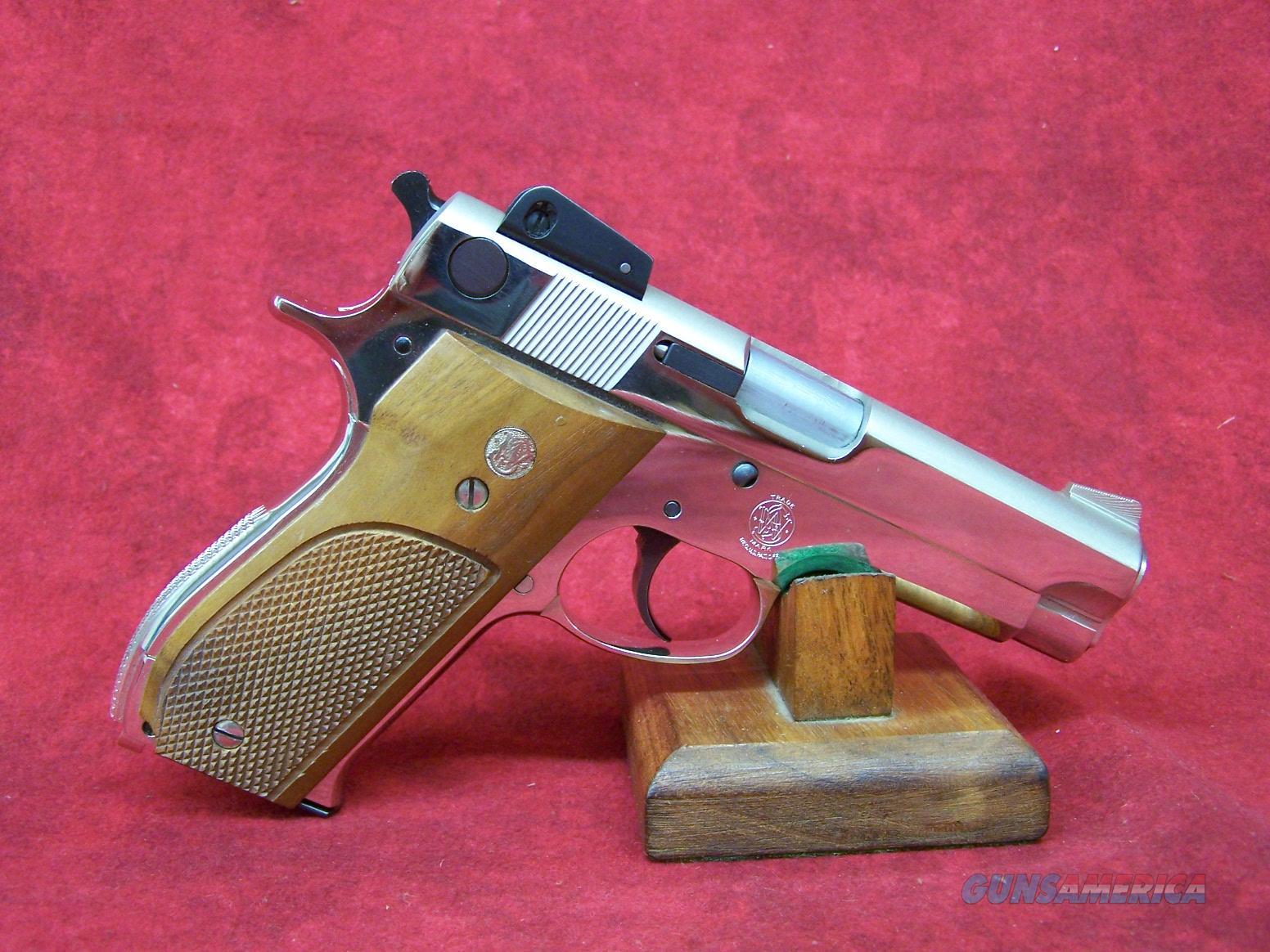 Smith & Wesson 539 9mm Bright Nickel  Guns > Pistols > Smith & Wesson Pistols - Autos > Steel Frame