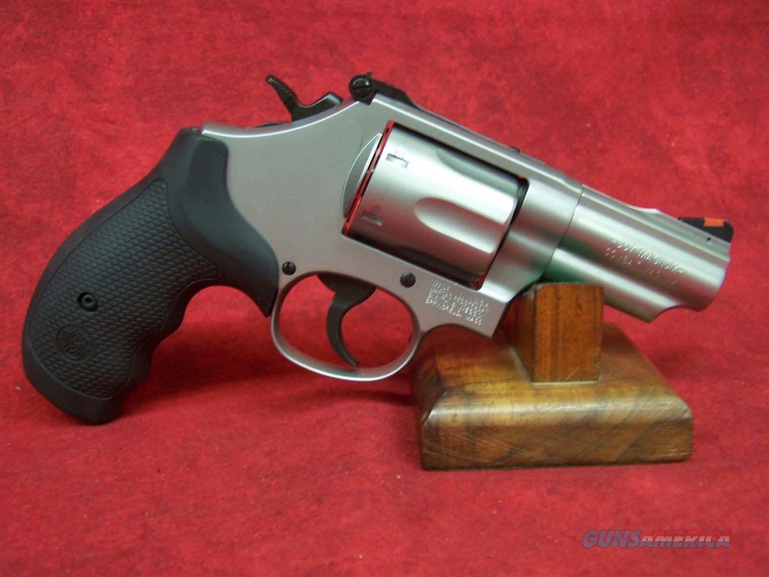 "Smith & Wesson 66 Combat Magnum .357 Mag 2.75"" SS Barrel (10061)  Guns > Pistols > Smith & Wesson Revolvers > Med. Frame ( K/L )"