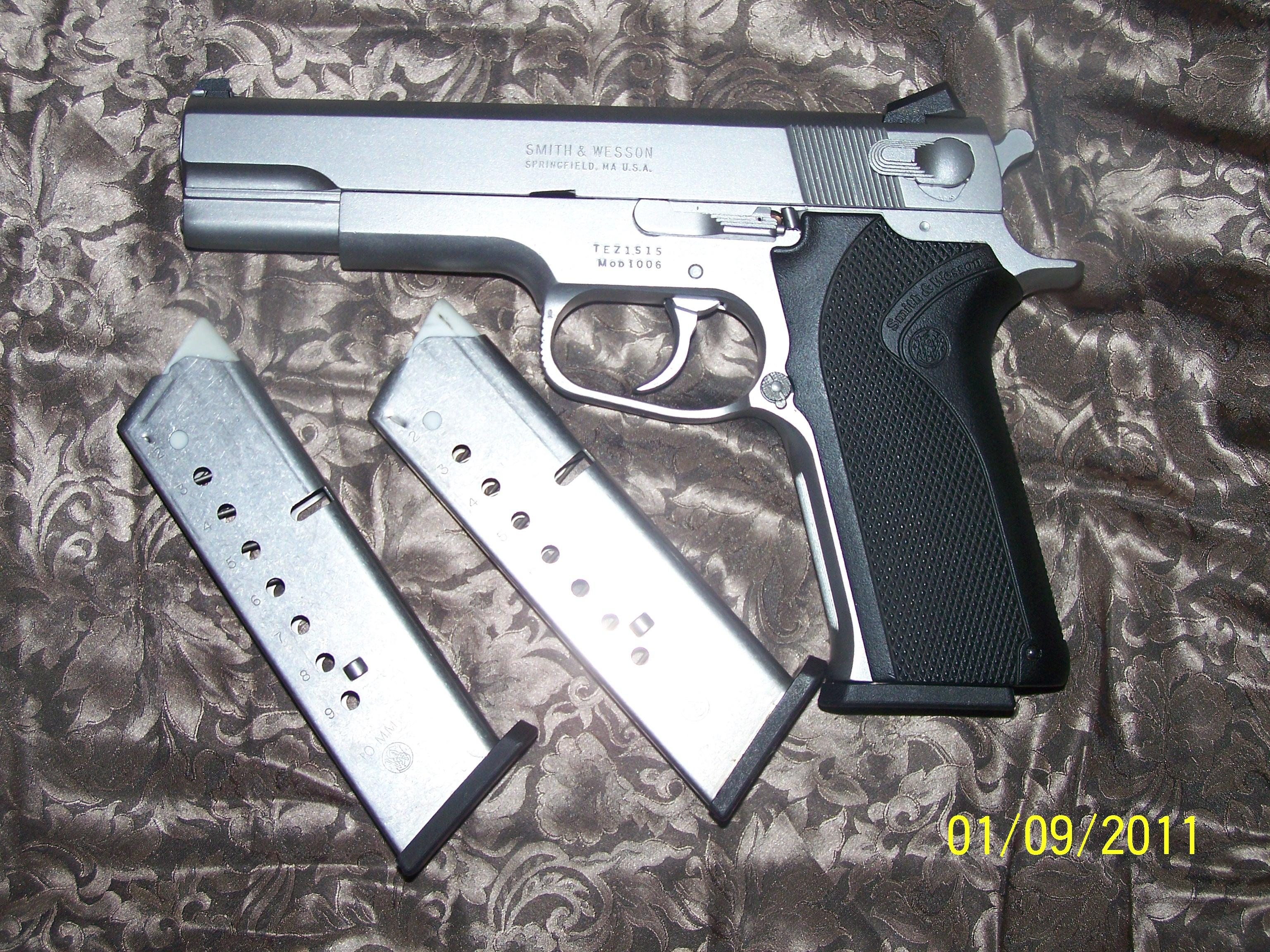 Smith and Wesson 1006  Guns > Pistols > Smith & Wesson Pistols - Autos > Steel Frame
