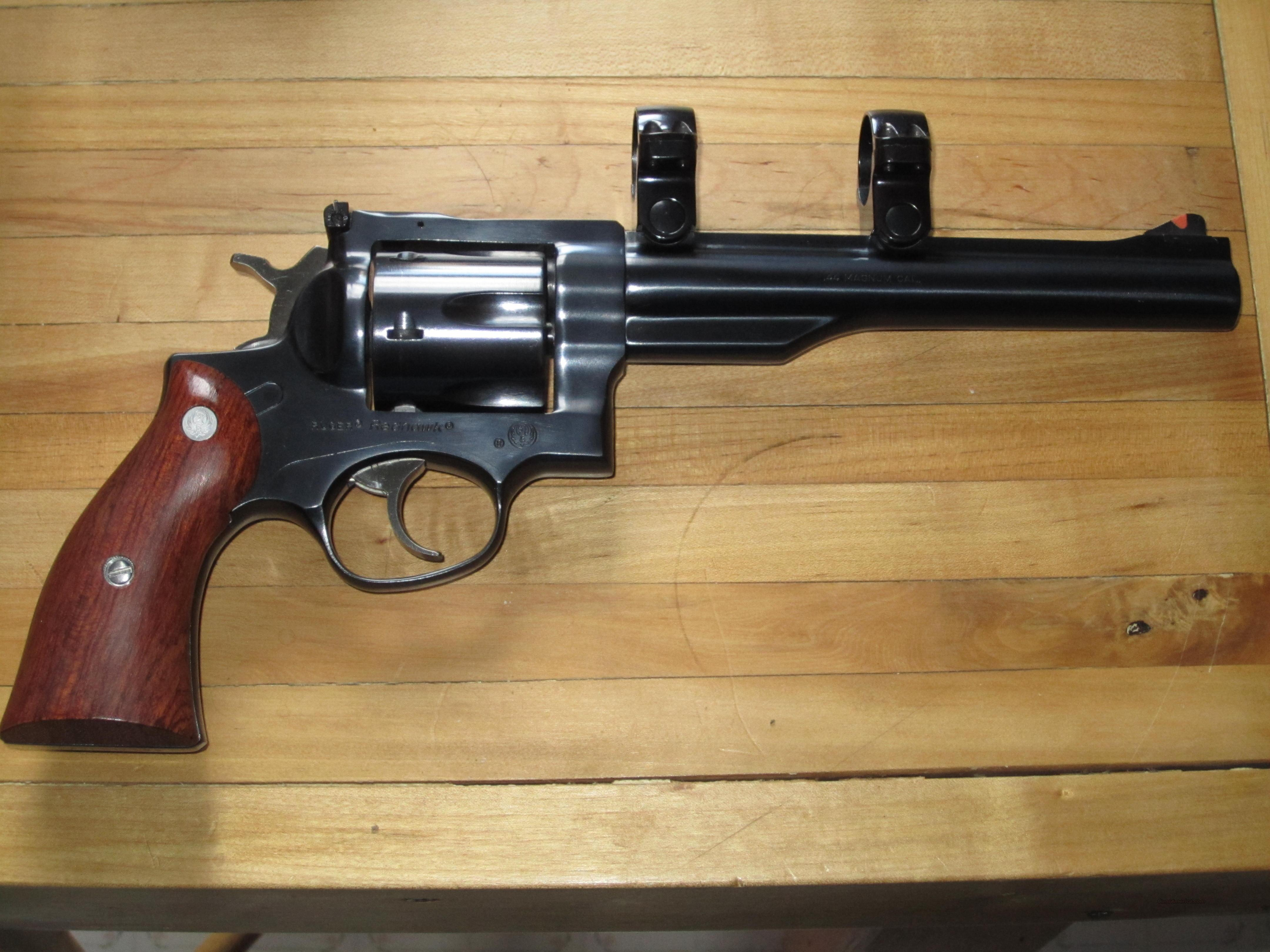 "Ruger Redhawk, blued, 7.5"" bbl, 44 mag, with factory rings...  Guns > Pistols > Ruger Double Action Revolver > Redhawk Type"