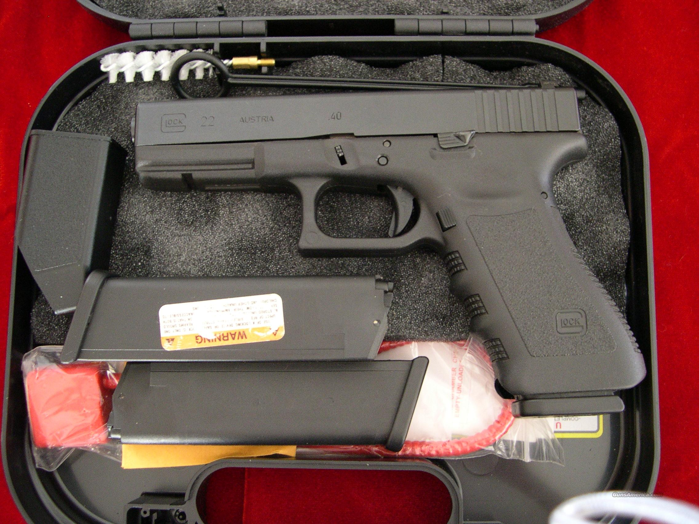 Glock model 22. in 40 cal, Tijicon N.S.  *as new*  Guns > Pistols > Glock Pistols > 22