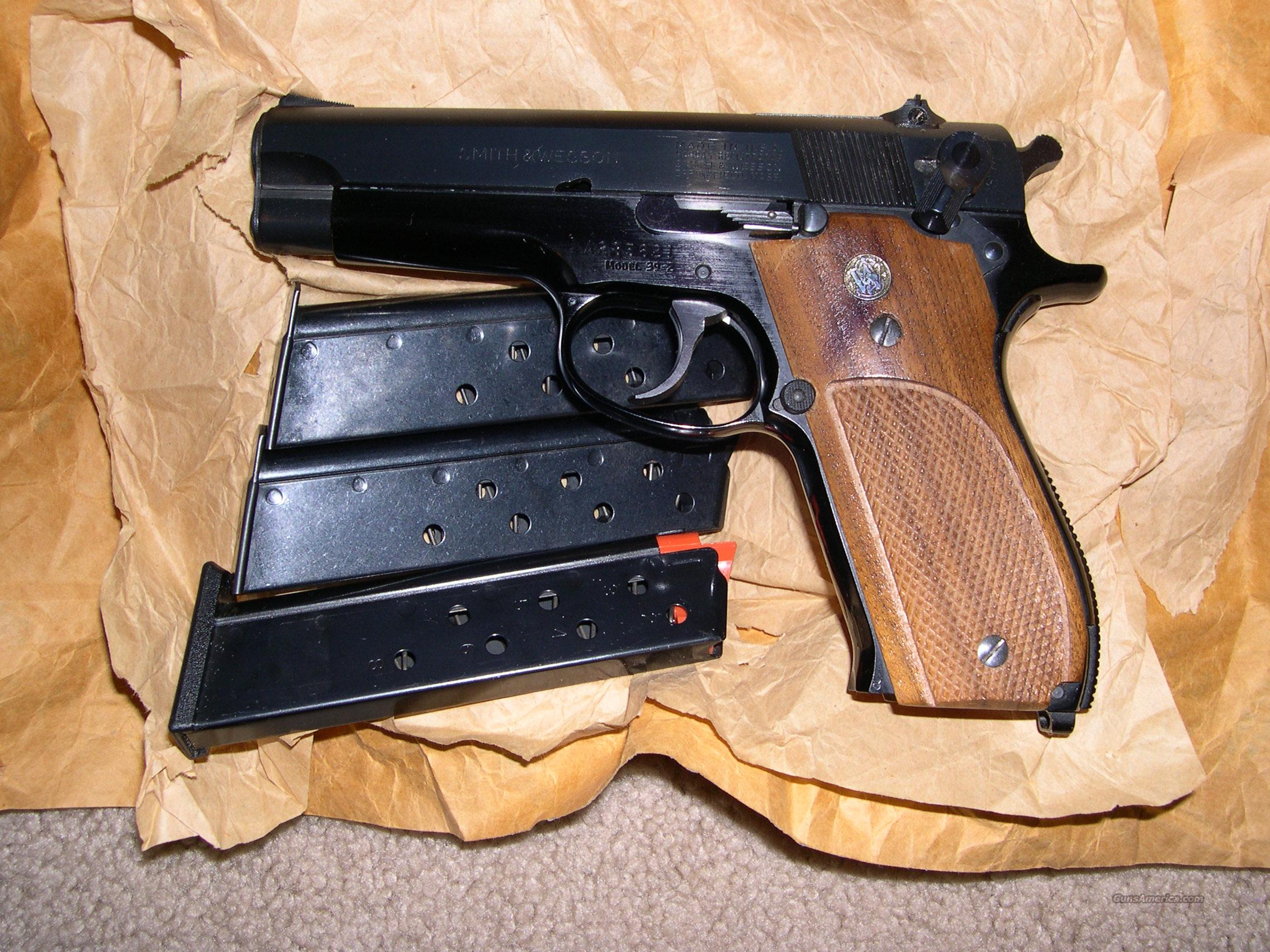 Smith&Wesson model 39-2  Guns > Pistols > Smith & Wesson Pistols - Autos > Alloy Frame