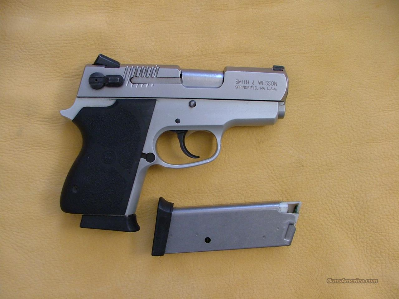 smith wesson cs40 chiefs special 40 cal  Guns > Pistols > Smith & Wesson Pistols - Autos > Alloy Frame